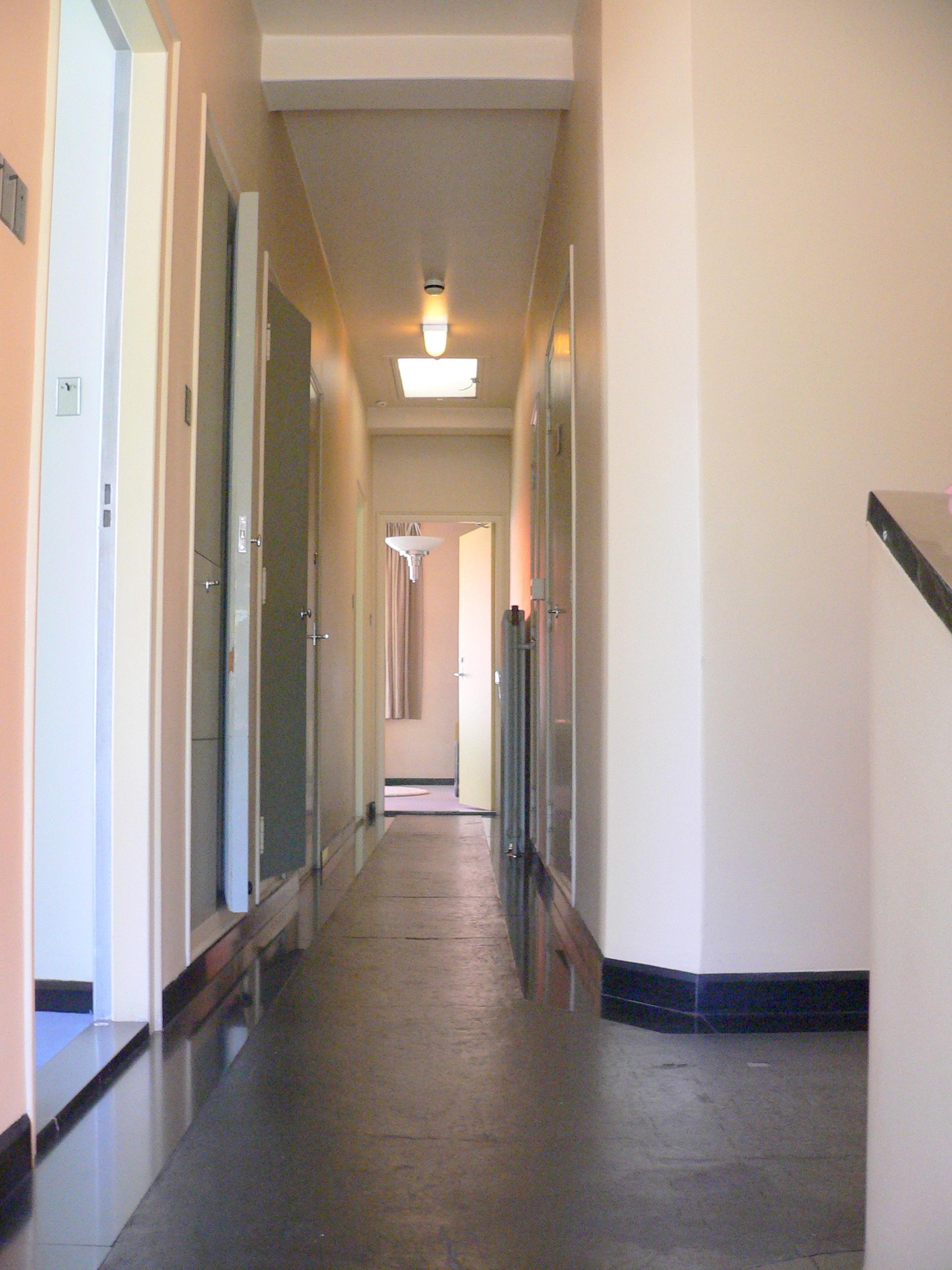 File wlanl adfoto gang in huis wikimedia commons - Deco gang huis ...