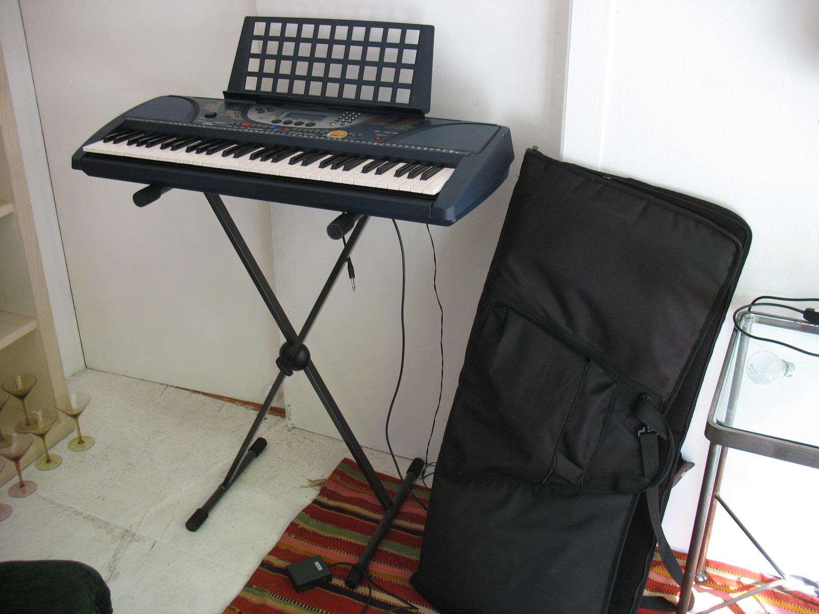 File yamaha psr 270 61 key midi portable keyboard on stand for Yamaha piano keyboard 61 key psr 180