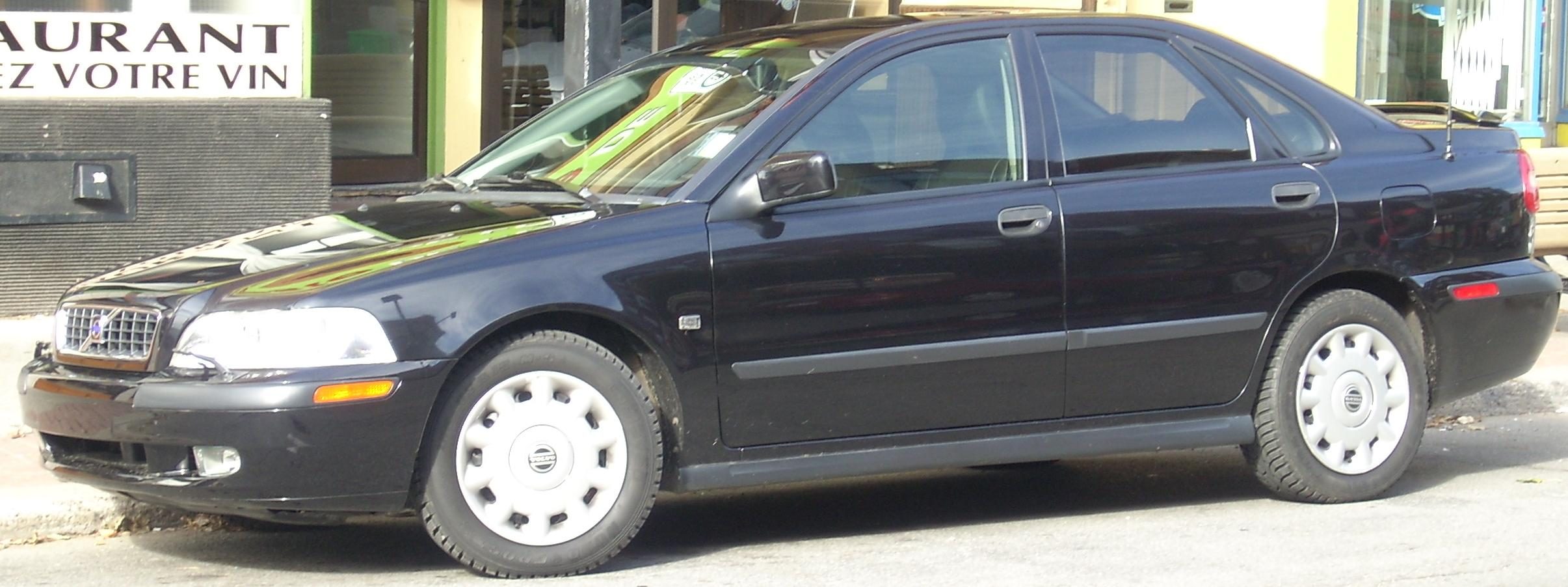 File:'00-'01 Volvo S40.jpg - Wikimedia Commons