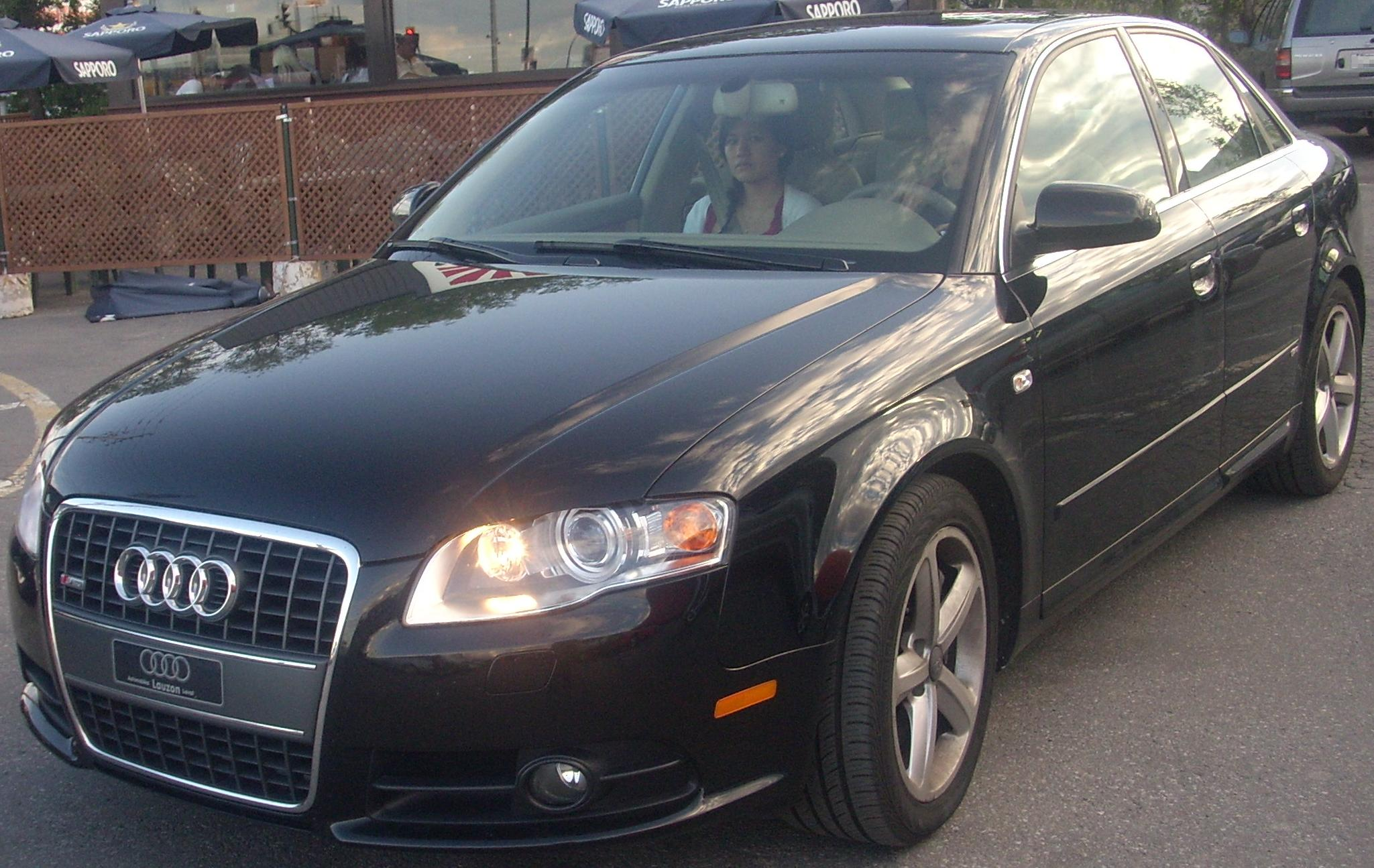 File:'05-'08 Audi A4 S-Line Sedan (Orange Julep).jpg - Wikimedia Commons