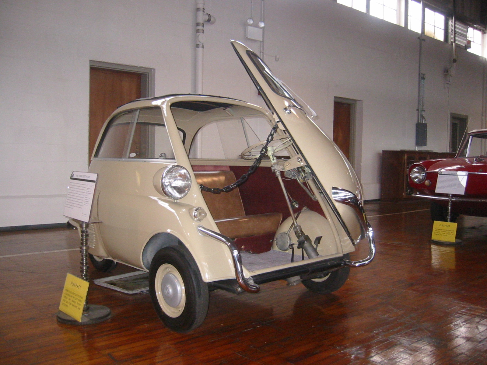 File 1957 Bmw Isetta 300 Door Open Lane Motor Museum