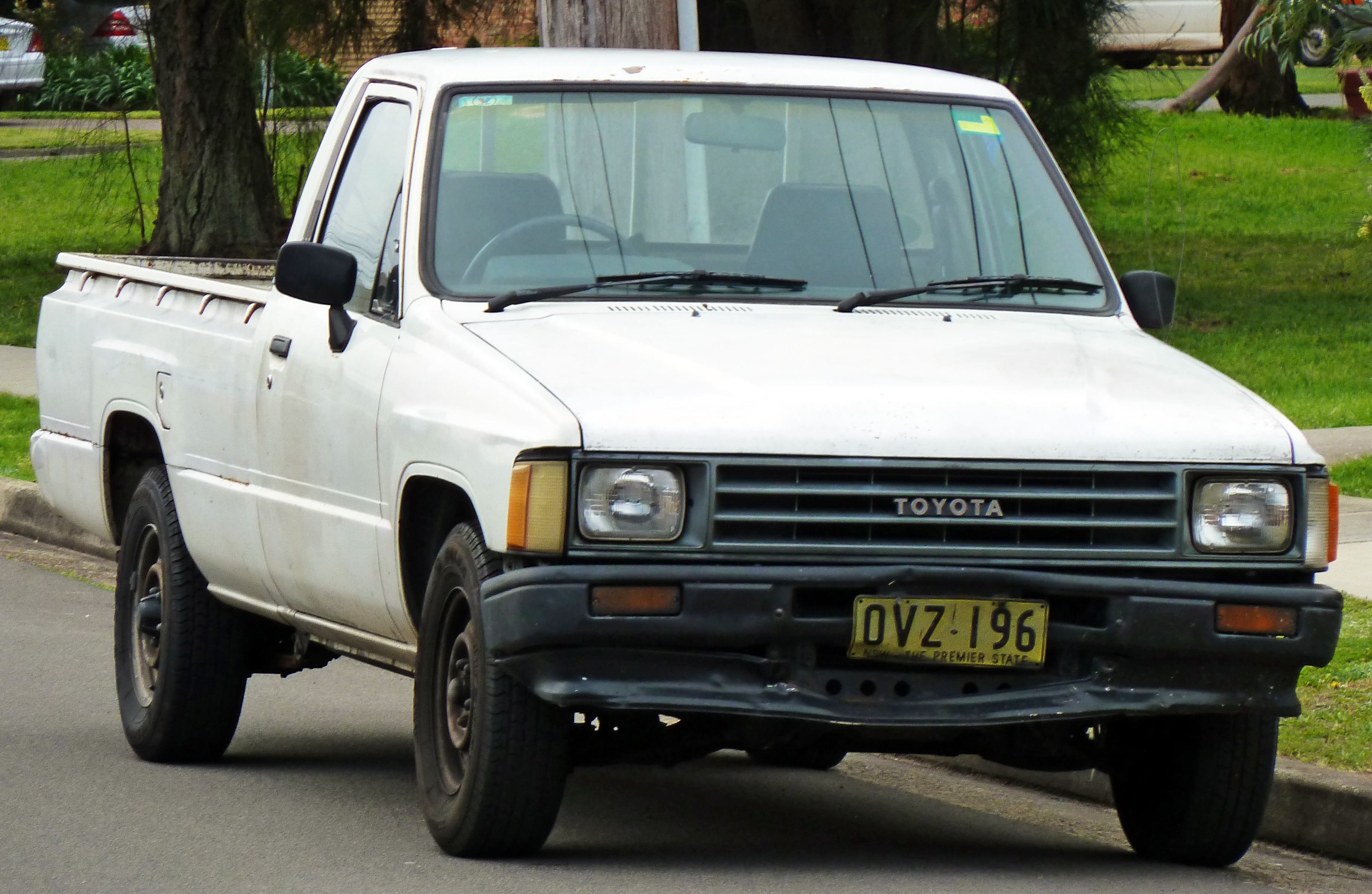 Toyota Corolla 2010 Type S >> File:1983-1988 Toyota Hilux (YN58R) 2-door utility 01.jpg - Wikimedia Commons