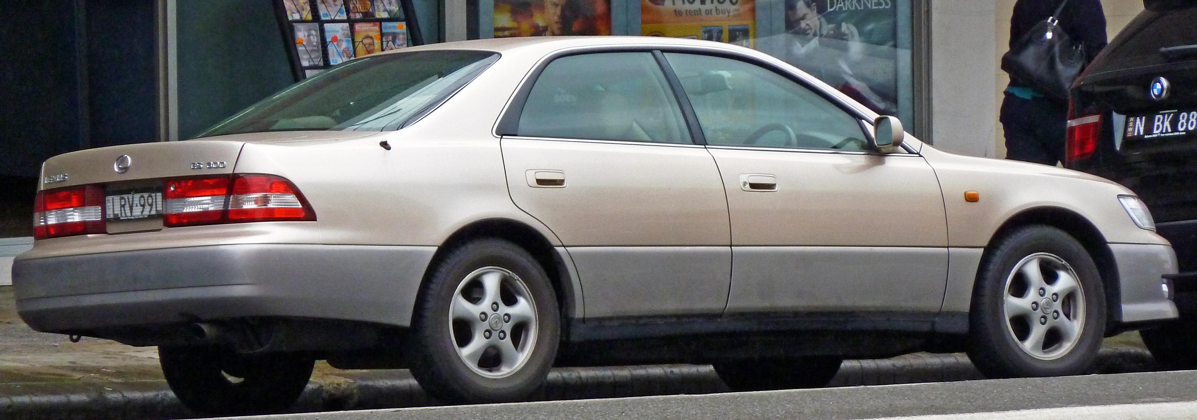 File:1999-2001 Lexus ES 300 (MCV20R) LXS sedan 01.jpg
