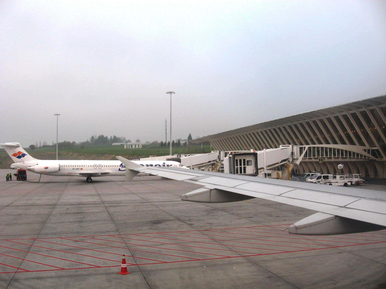 Aeroporto Bilbao : El aeropuerto de bilbao gestionó un vuelo cada minutos