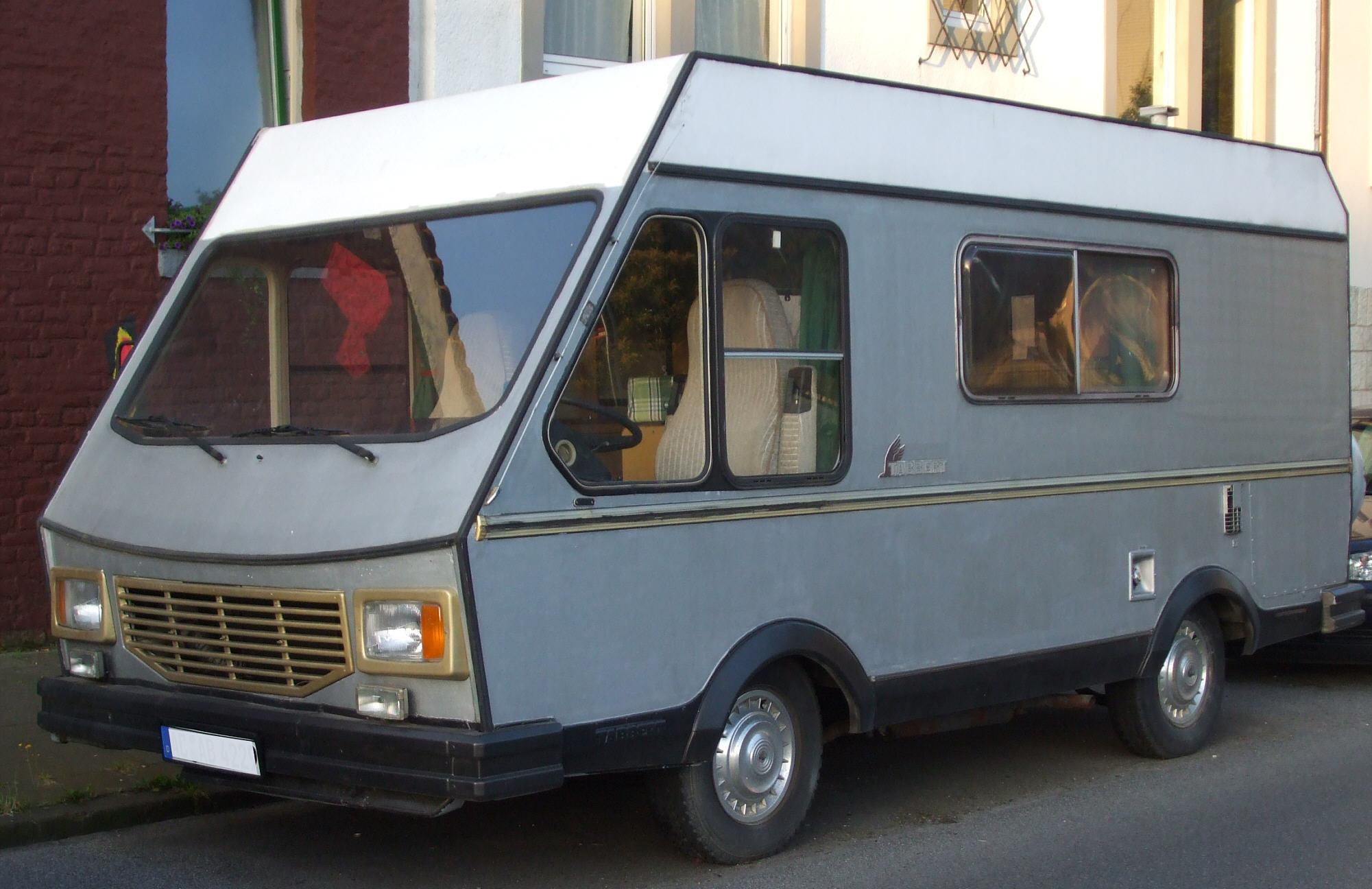 File:Altes Peugeot-Tabbert-Wohnmobil vl.jpg - Wikimedia Commons