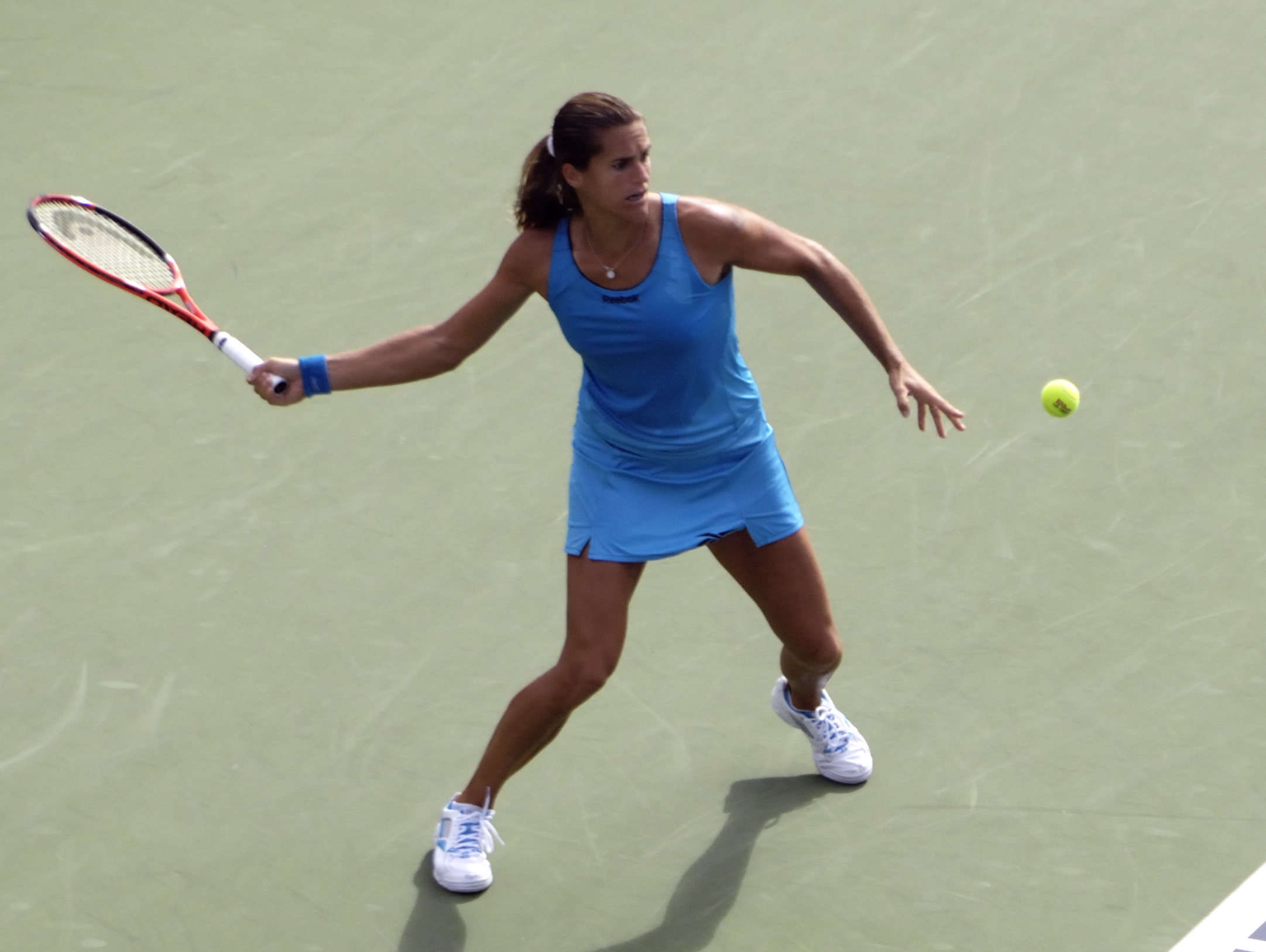 File Amélie Mauresmo at the 2009 US Open 02 Wikimedia mons