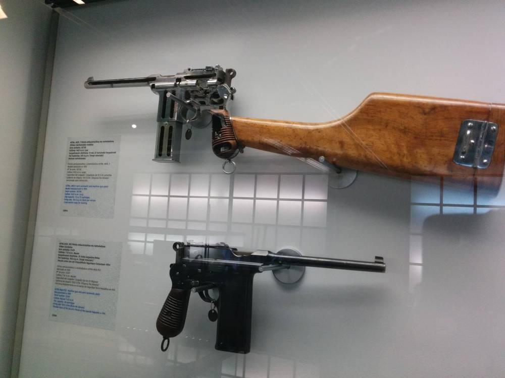 Arma Besta Wikipedia: Wikipedia, Entziklopedia Askea