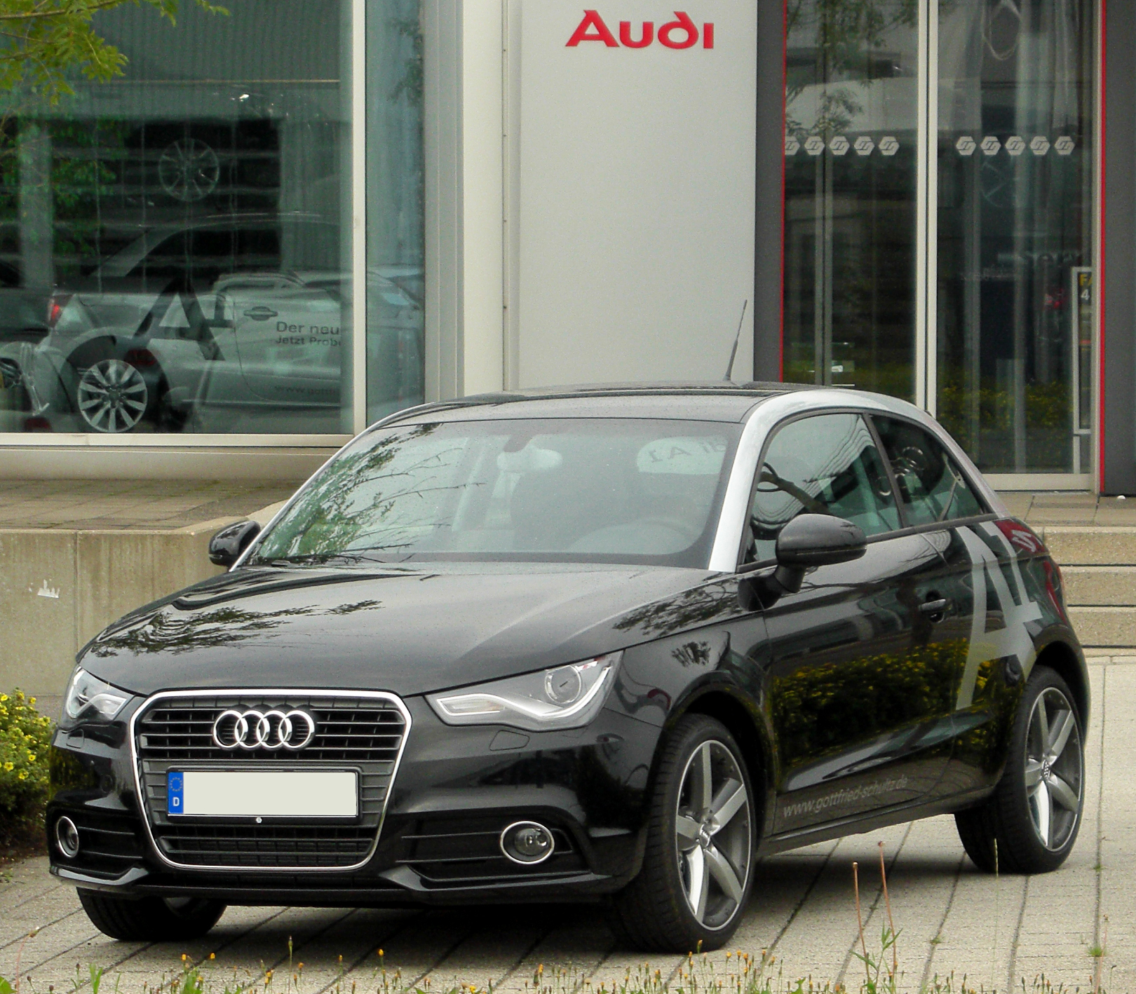 file audi a1 1 4 tfsi ambition front wikimedia commons. Black Bedroom Furniture Sets. Home Design Ideas