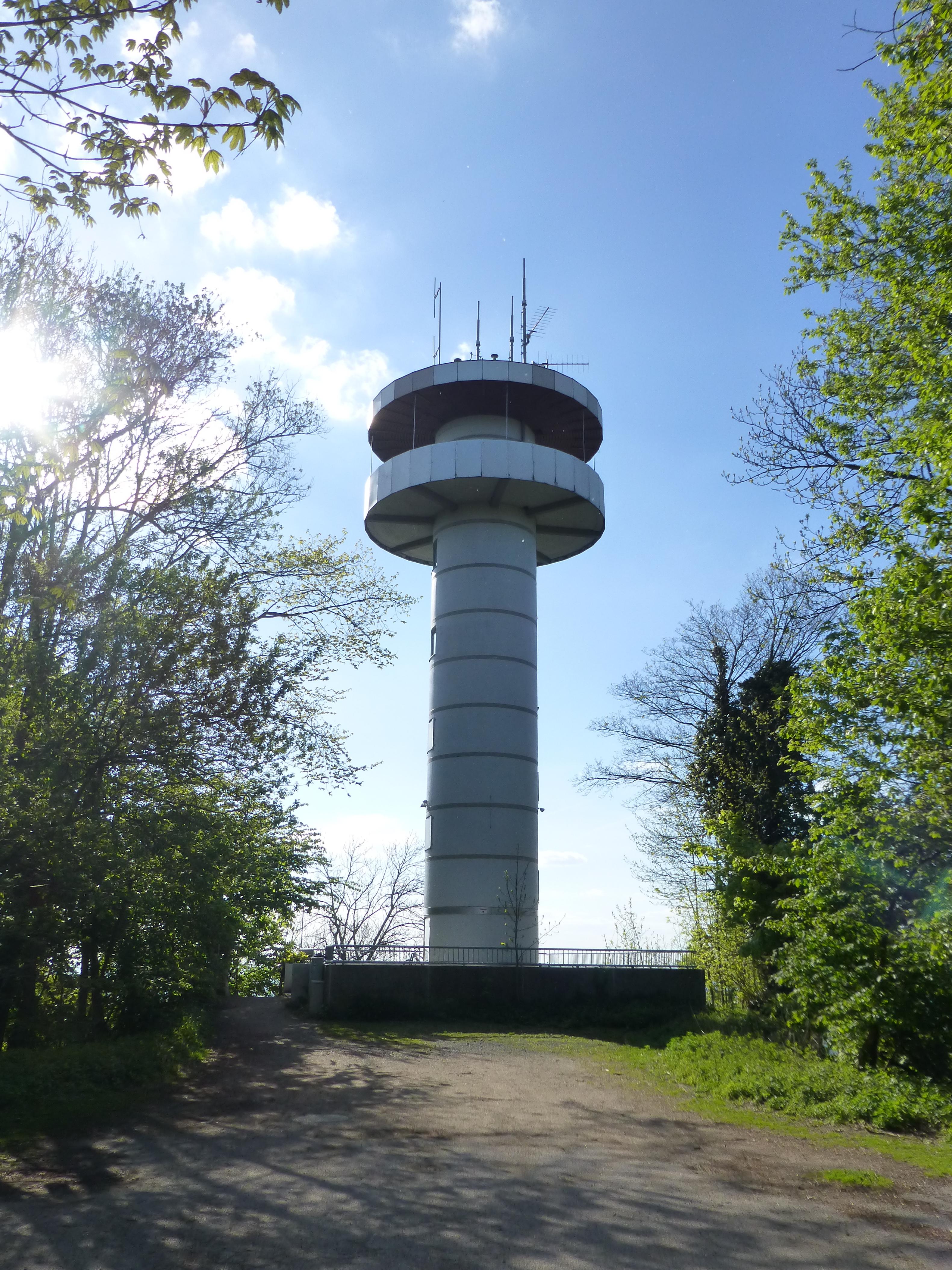 Datei:Aussichtsturm Melibokus-01.jpg
