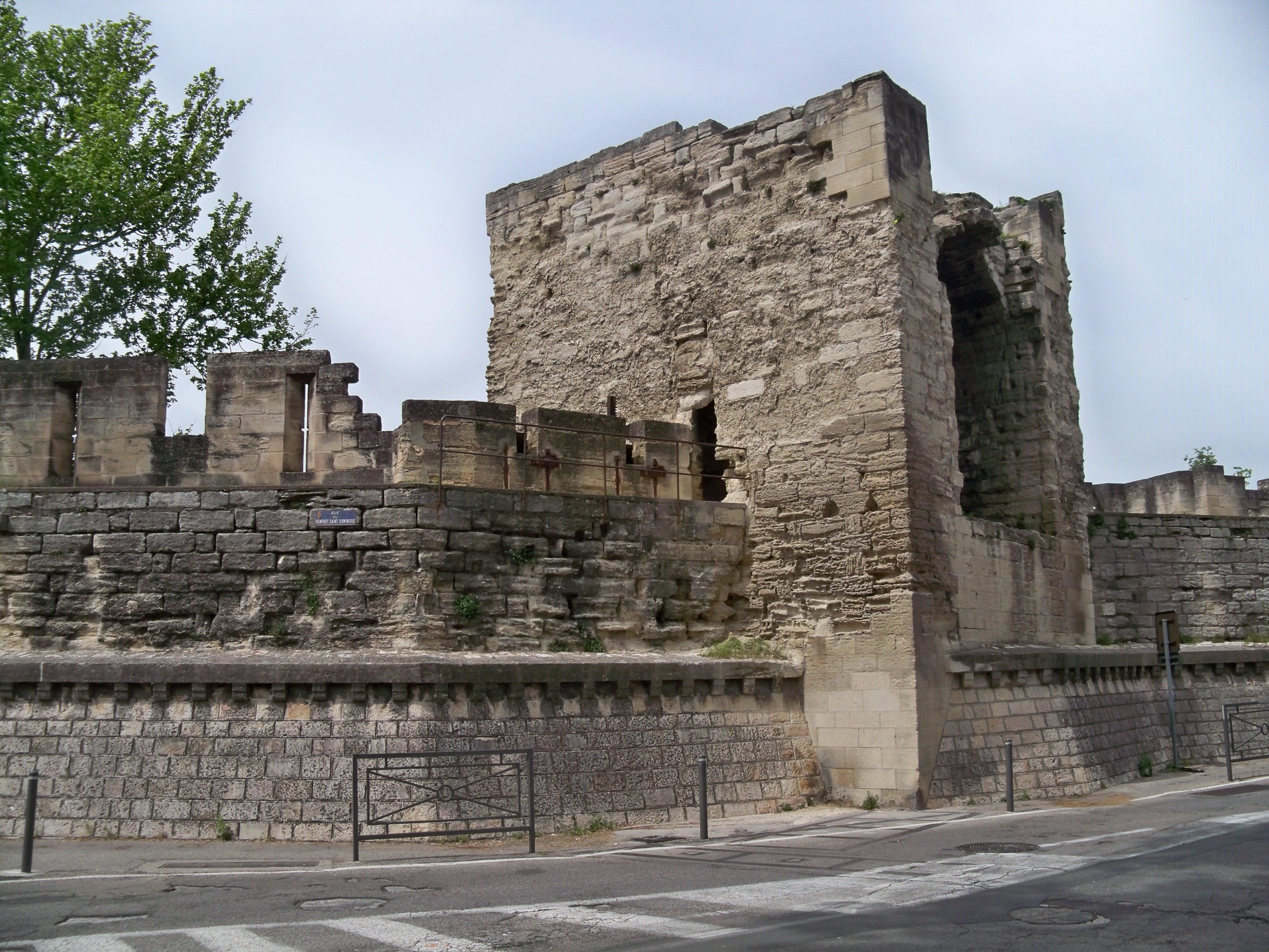 File avignon remparts intra muros st dominique jpg wikimedia commons - Porte saint dominique avignon ...