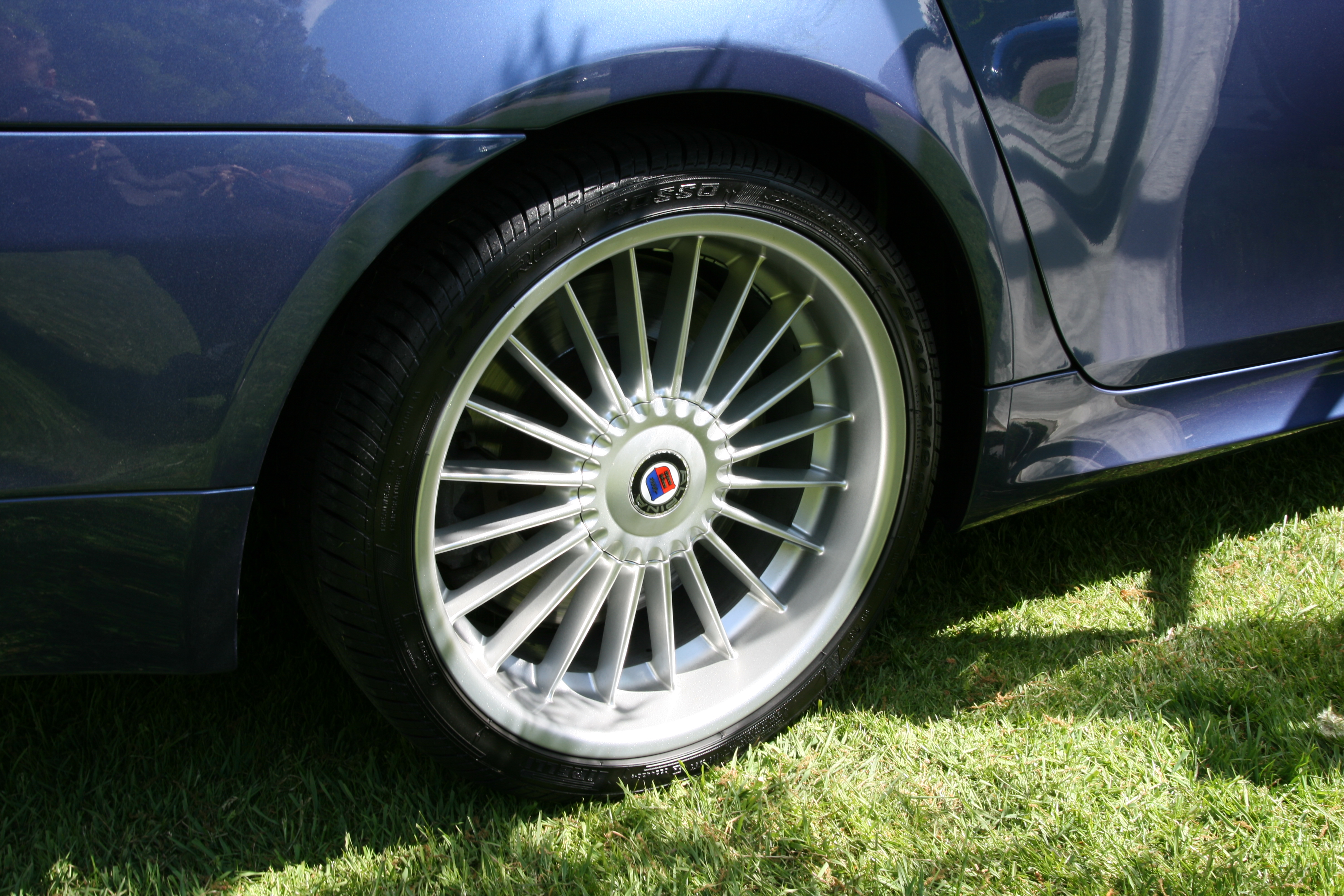 File Bmw Alpina Alloy Wheel Jpg Wikimedia Commons