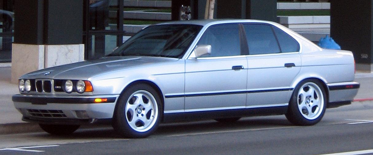 BMW_M5_E34_front.