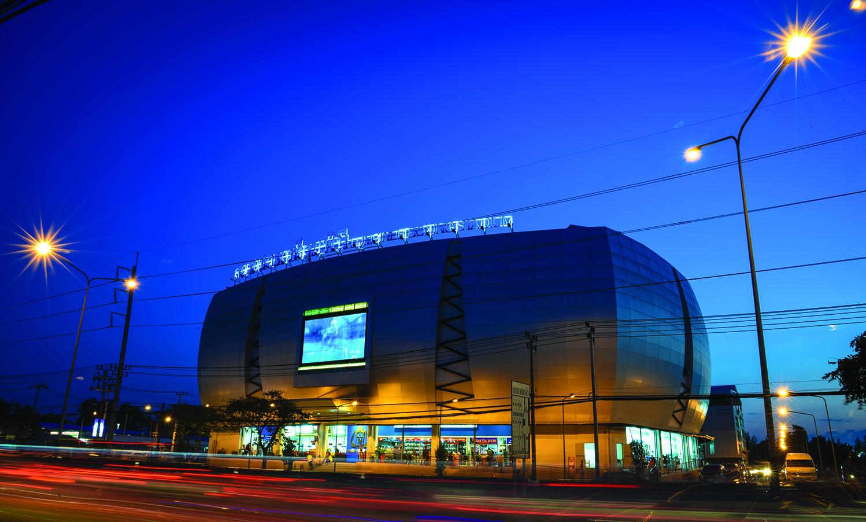 File:Bangkok Lumpinee Boxing Stadium 1.jpg - Wikimedia Commons