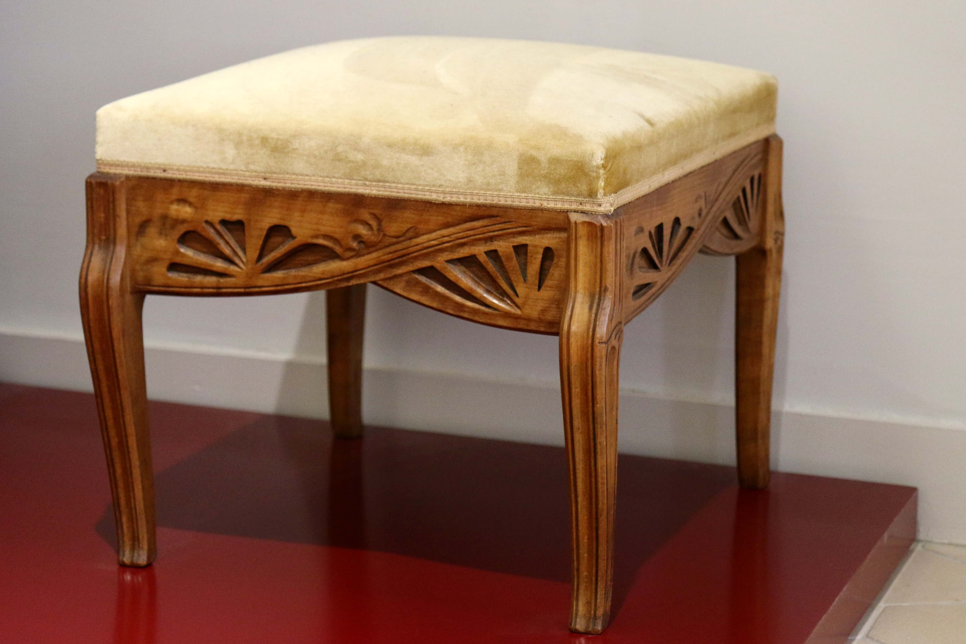 File Bor Ly Art Nouveau Gall Tabouret Jpg Wikimedia Commons