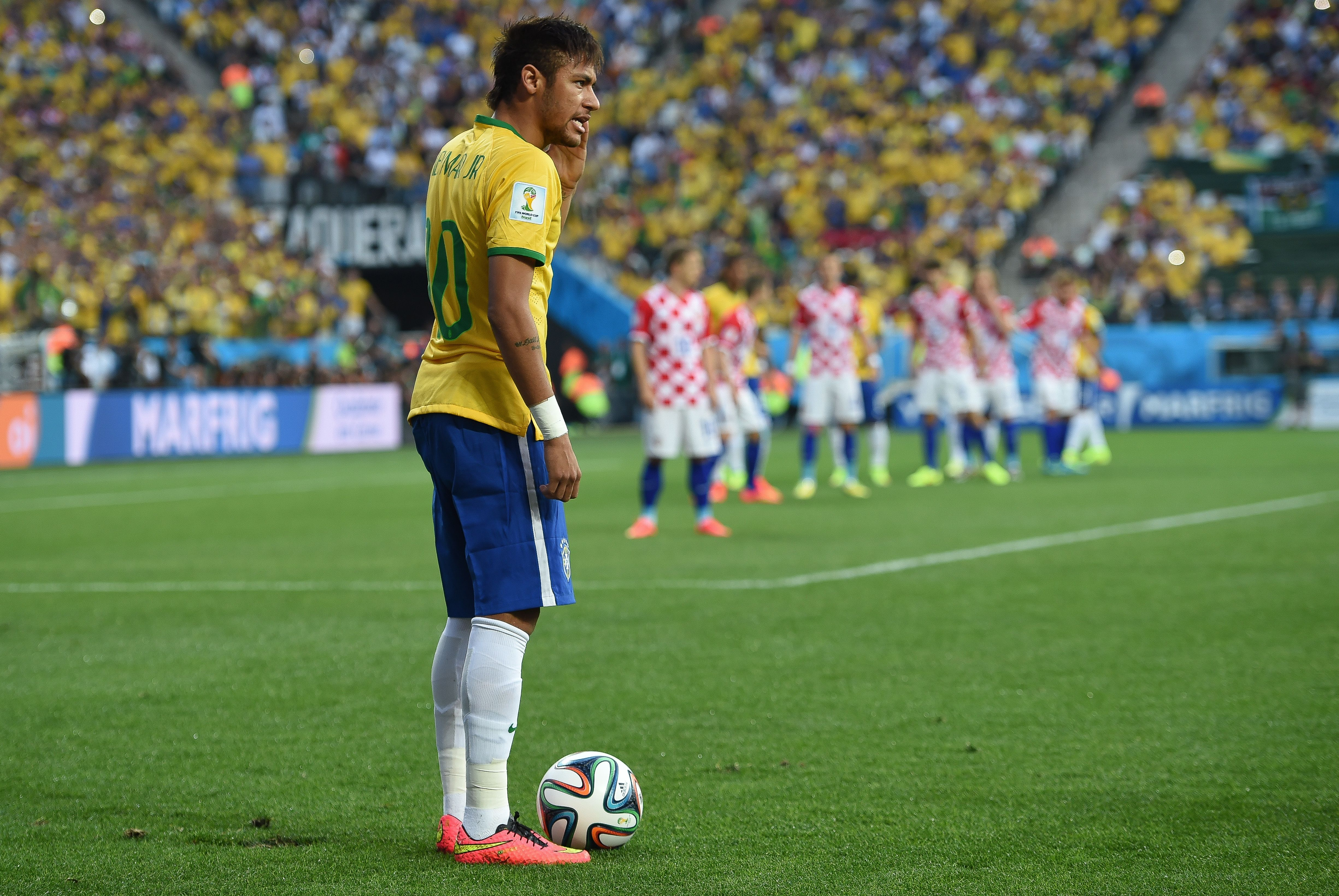 Description Brazil and Croatia match at the FIFA World Cup 2014-06-12