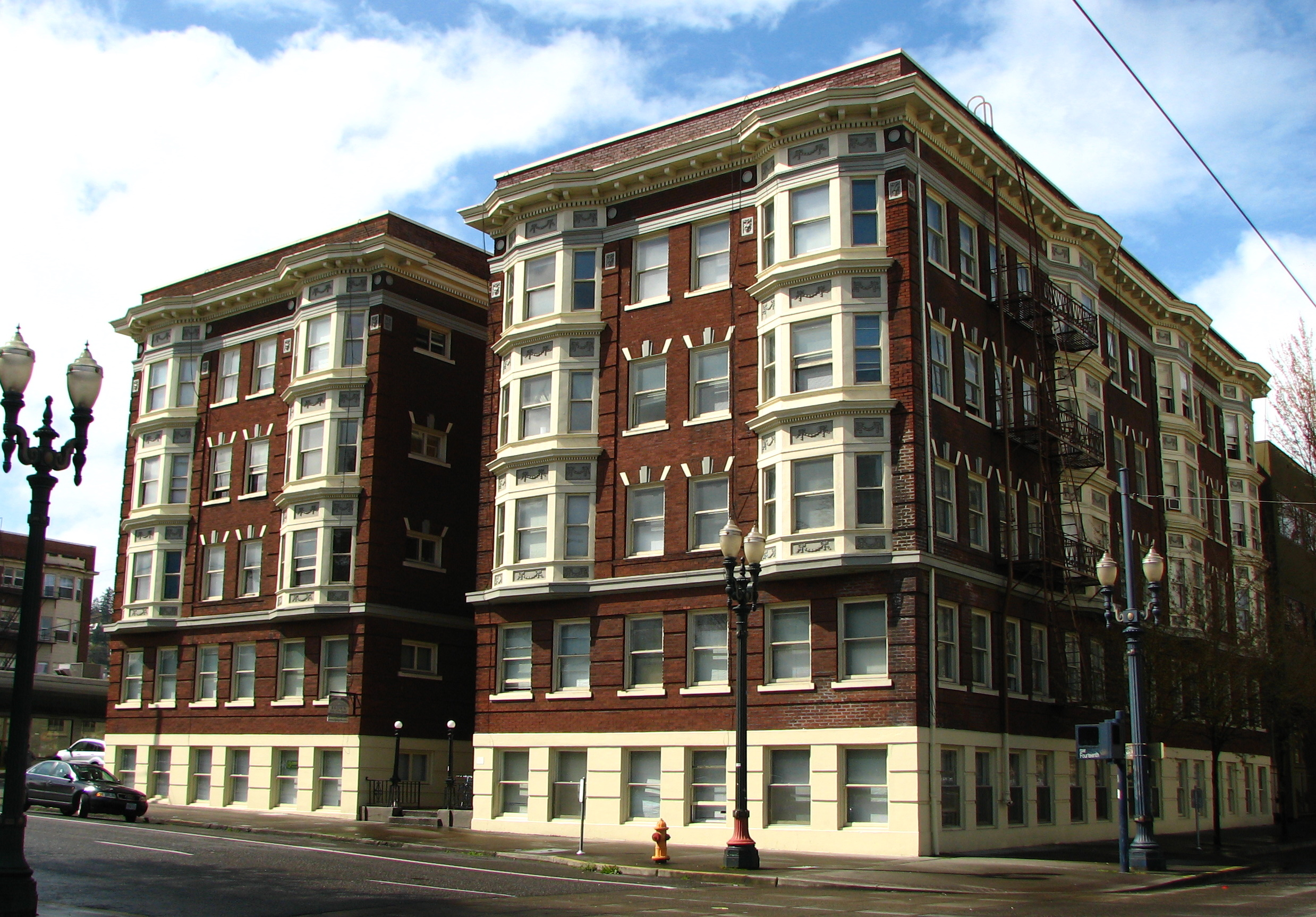 File Brown Apartments Portland Oregon Jpg Wikimedia Commons