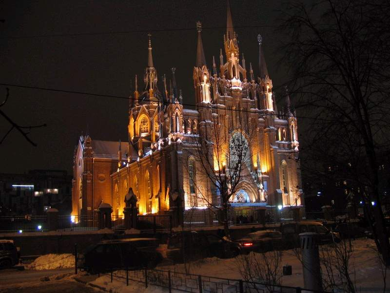 http://upload.wikimedia.org/wikipedia/commons/2/23/Catholic_Cathedral_Moscow.JPG