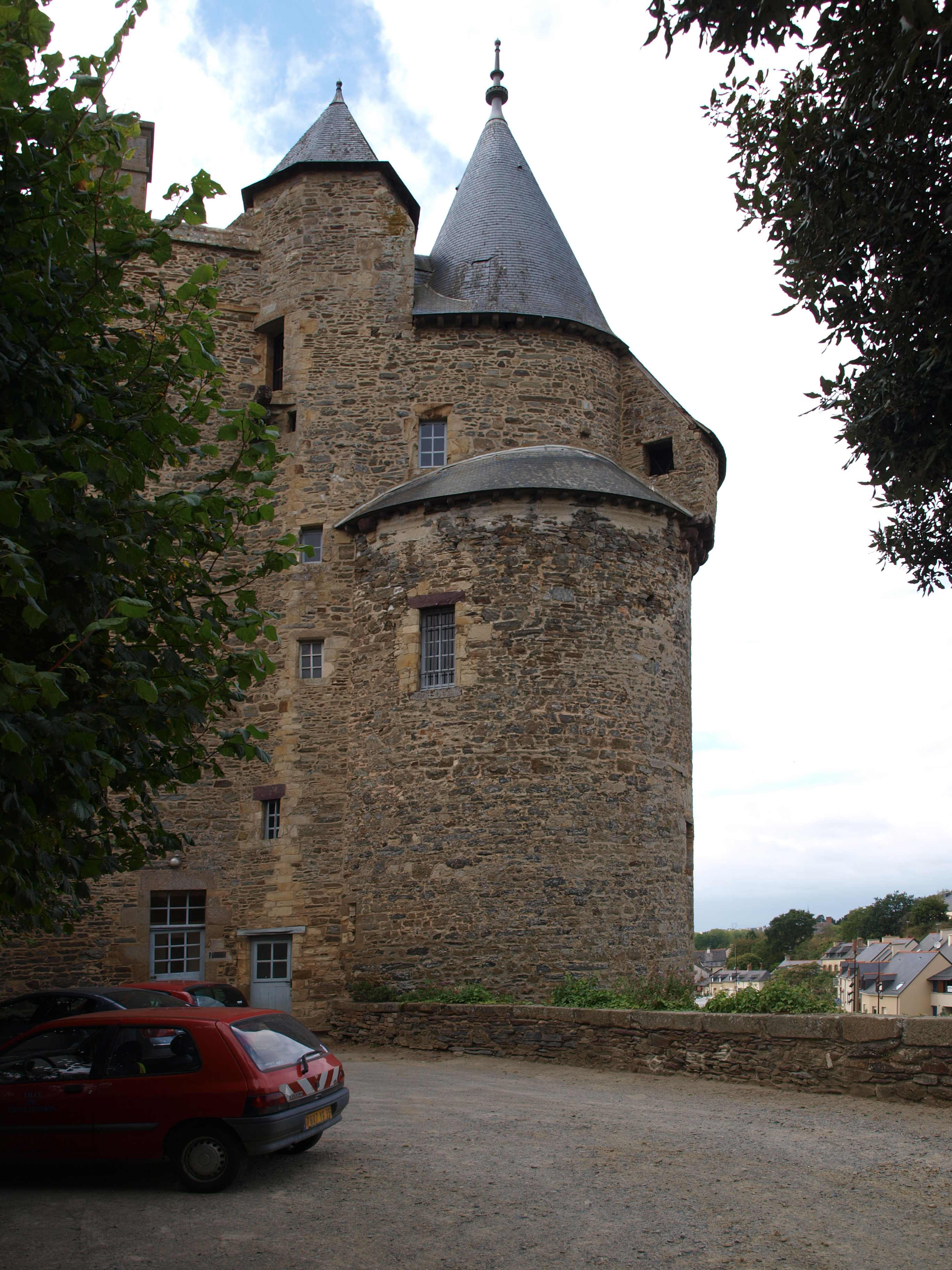 File ch teaugiron ch teau 35 jpg wikimedia commons for Kermarrec chateaugiron 35