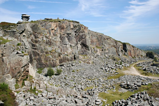 Cheesewring Quarry - geograph.org.uk - 523020