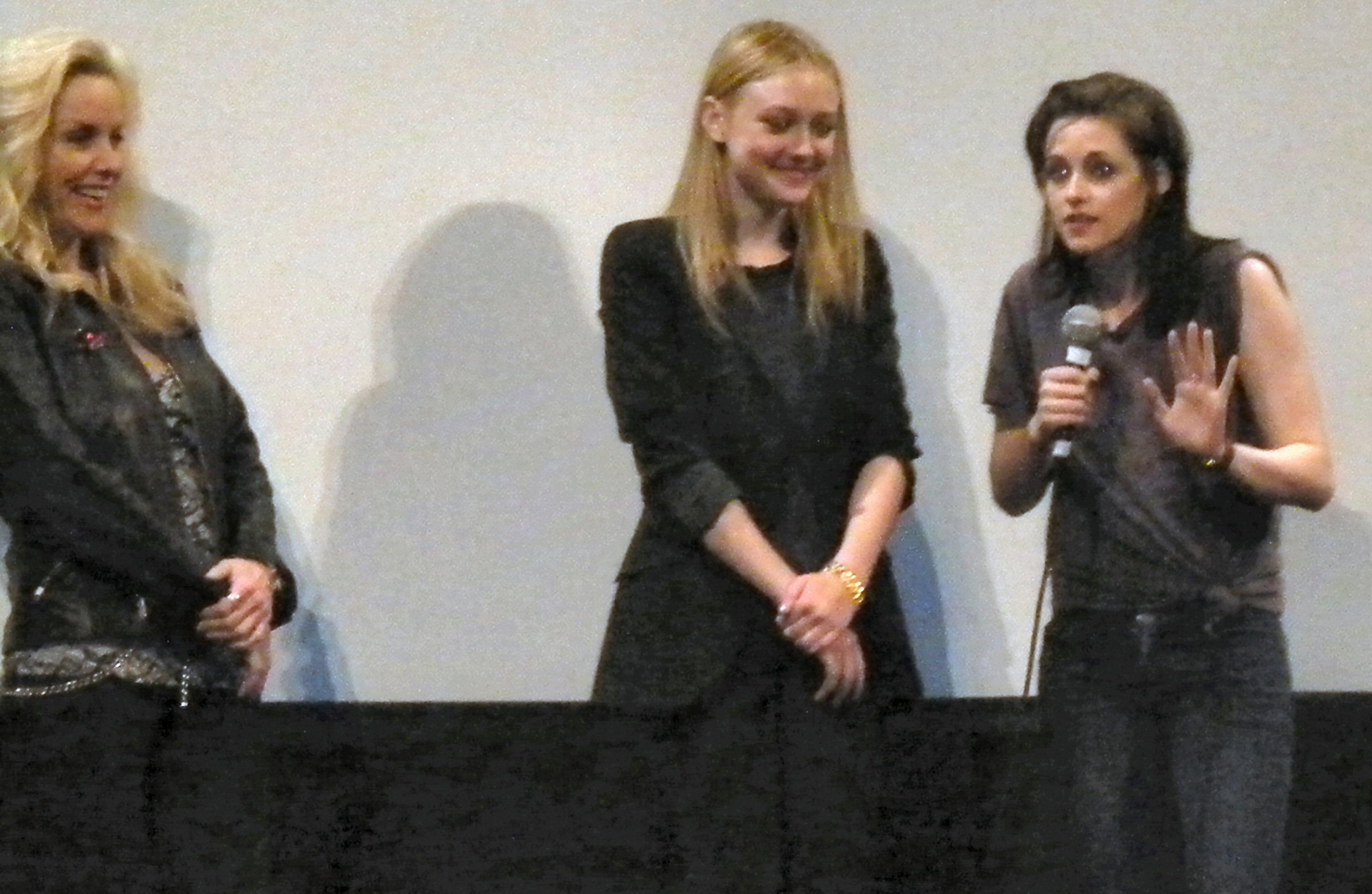 FileCherie Currie Dakota Fanning Kristen Stewart 9jpg