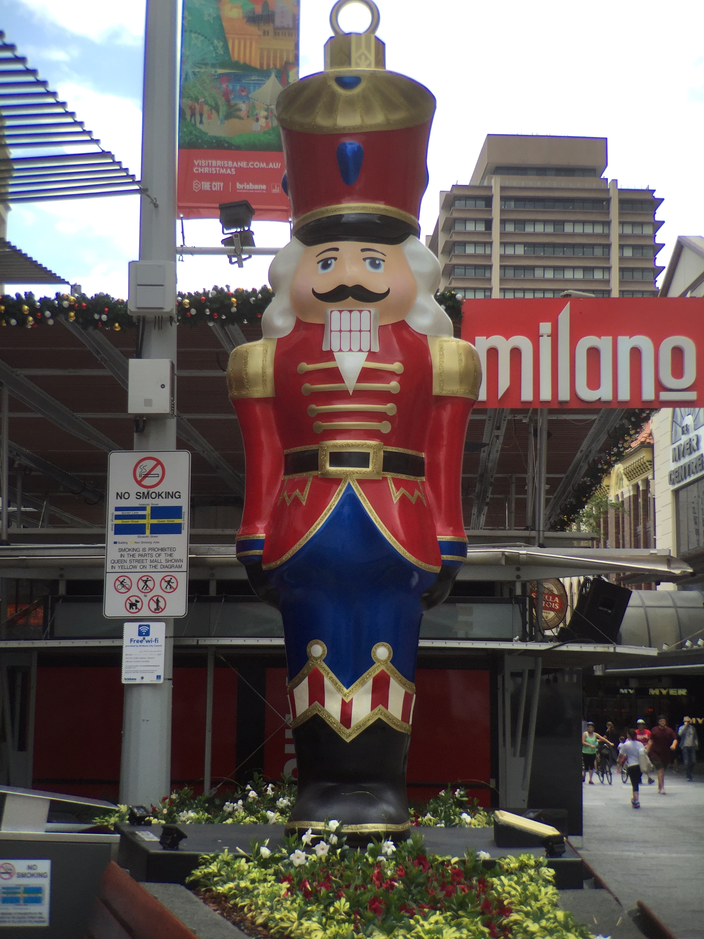 filechristmas decorations in queen street mall brisbane in 2015 03jpeg - Queen Christmas Decorations