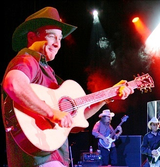 File:Clint Black at Chumash Casino crop.jpg