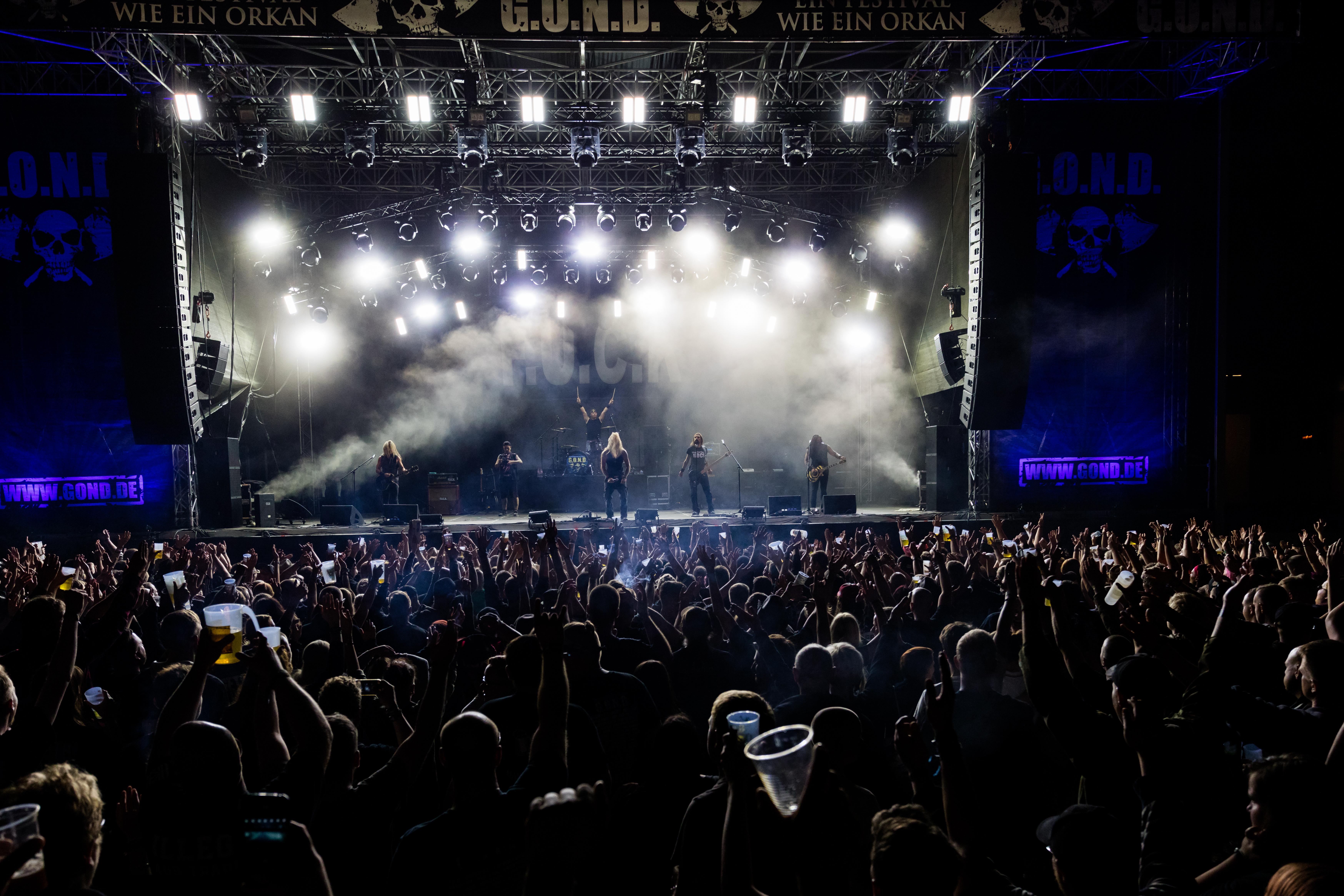 Public fuck rock concerts