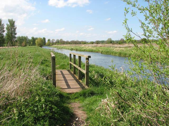 Footbridge over drain - geograph.org.uk - 1273030