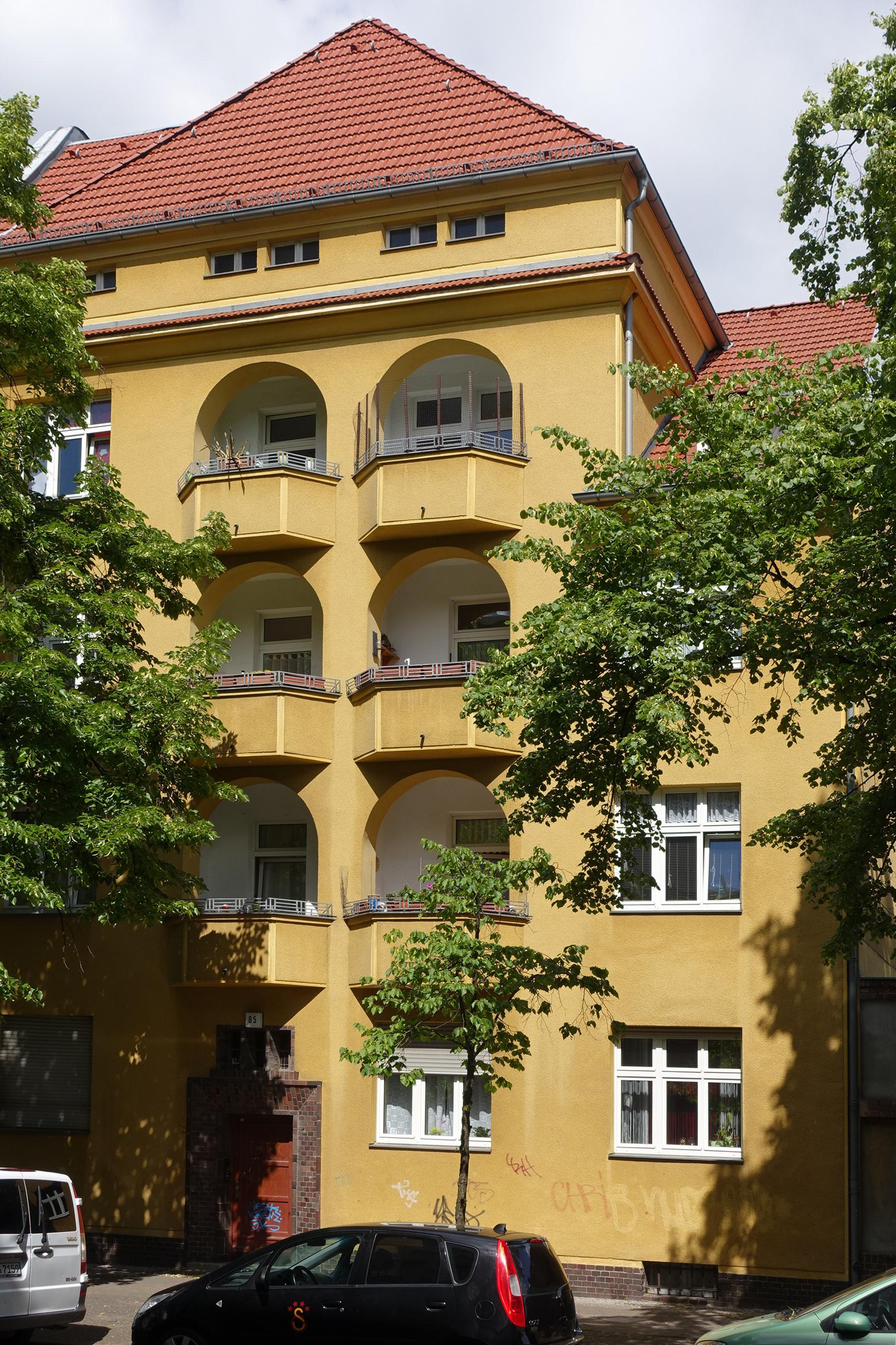 file friedrich wilhelm stra e 85 berlin reinickendorf jpg wikimedia commons. Black Bedroom Furniture Sets. Home Design Ideas