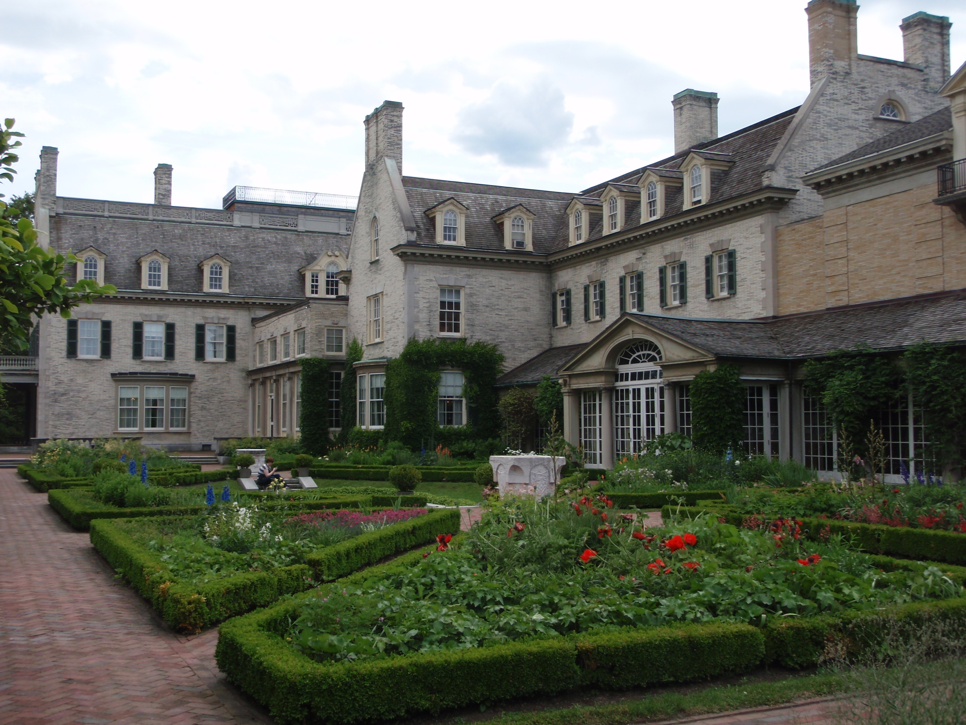 File garden of george eastman house jpg wikimedia commons for House pictures