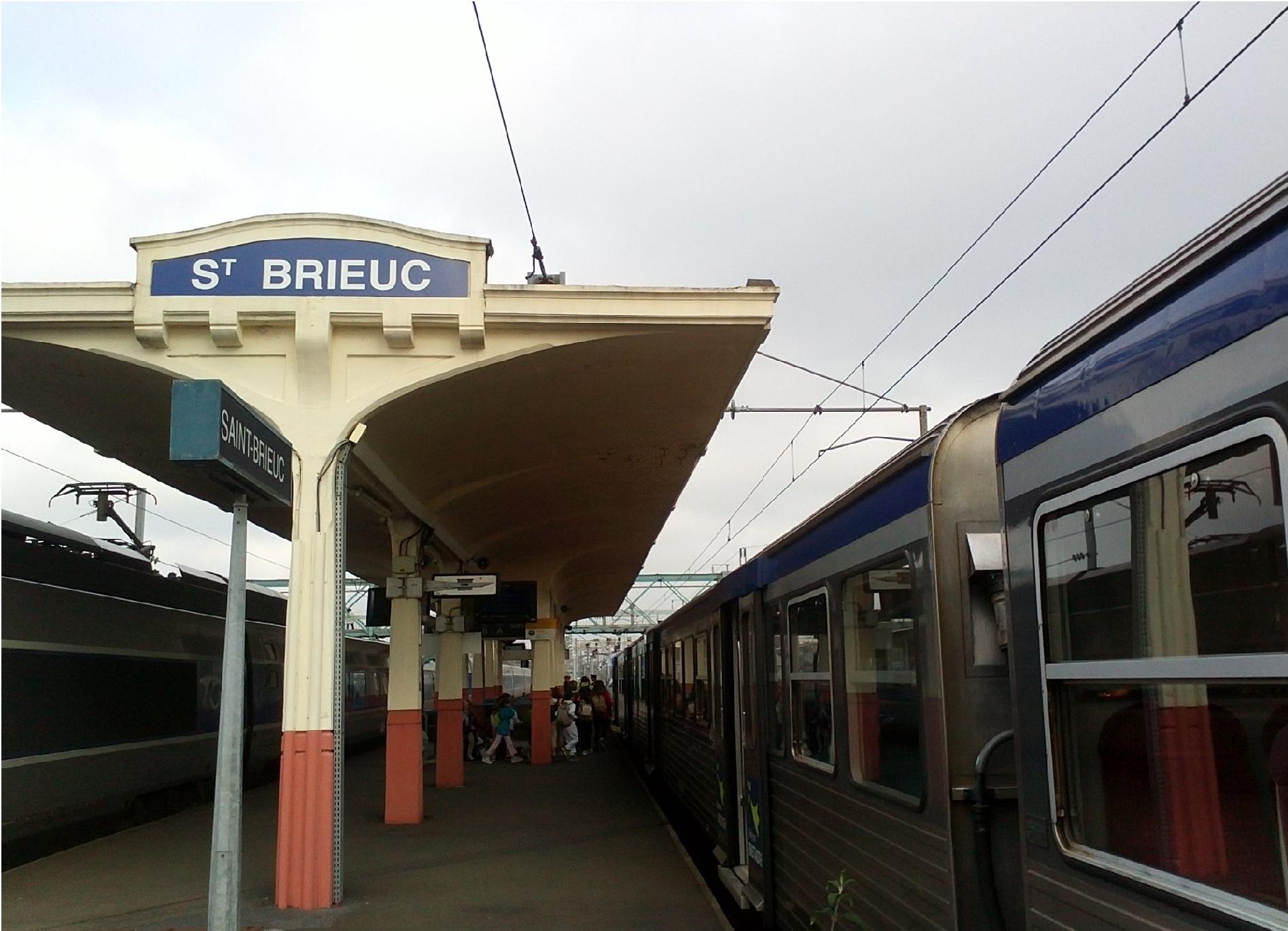 File:Gare de Saint-Brieuc-2013.jpg - Wikimedia Commons