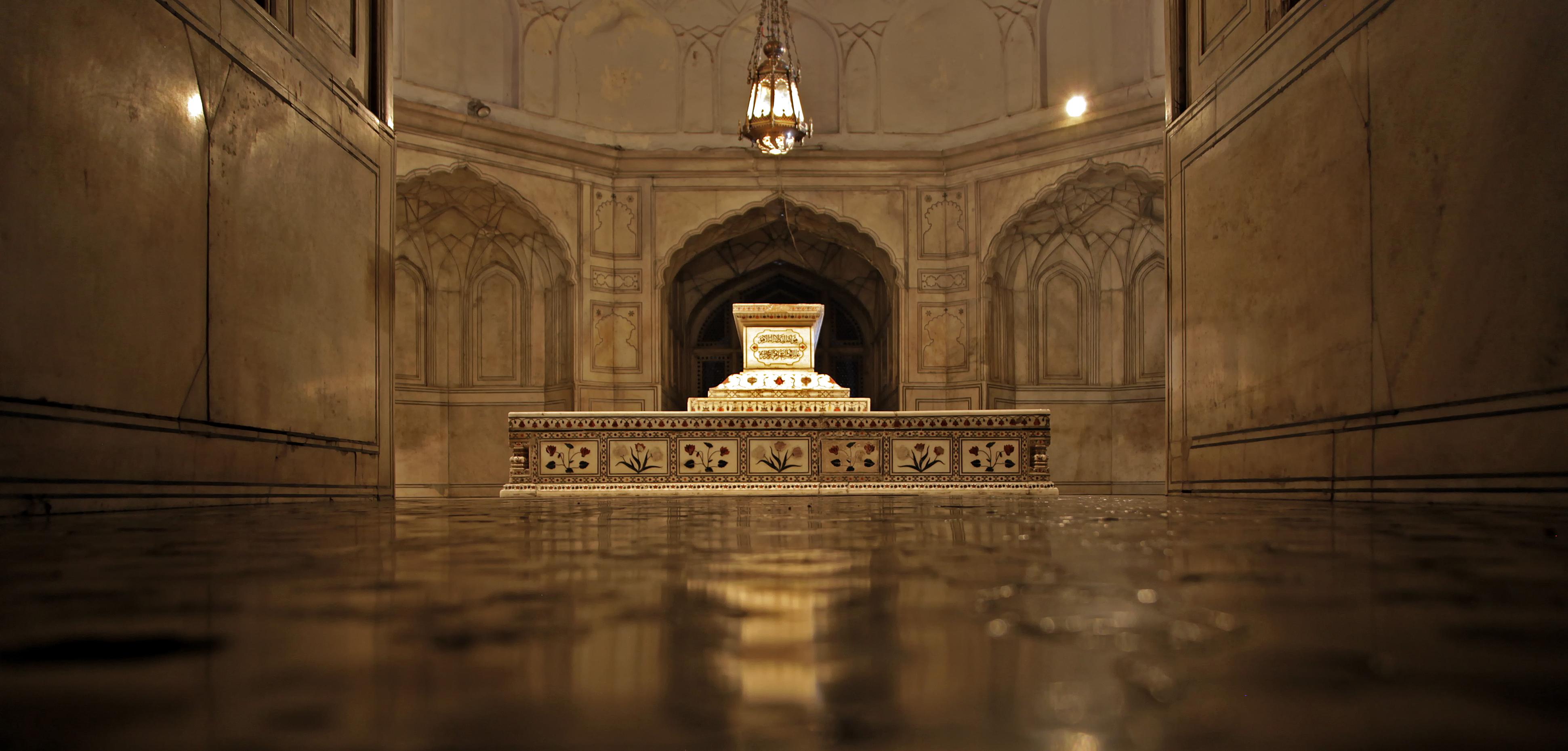 Jahangir Tomb, Lahore Punjab Pakistan Source: Reddit