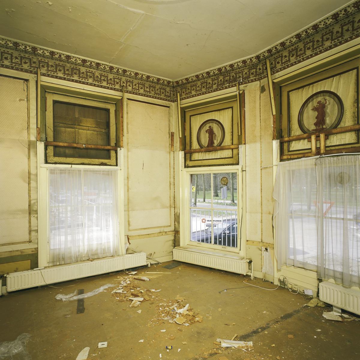 File interieur overzicht van interieurschilderingen boven for Interieur haarlem