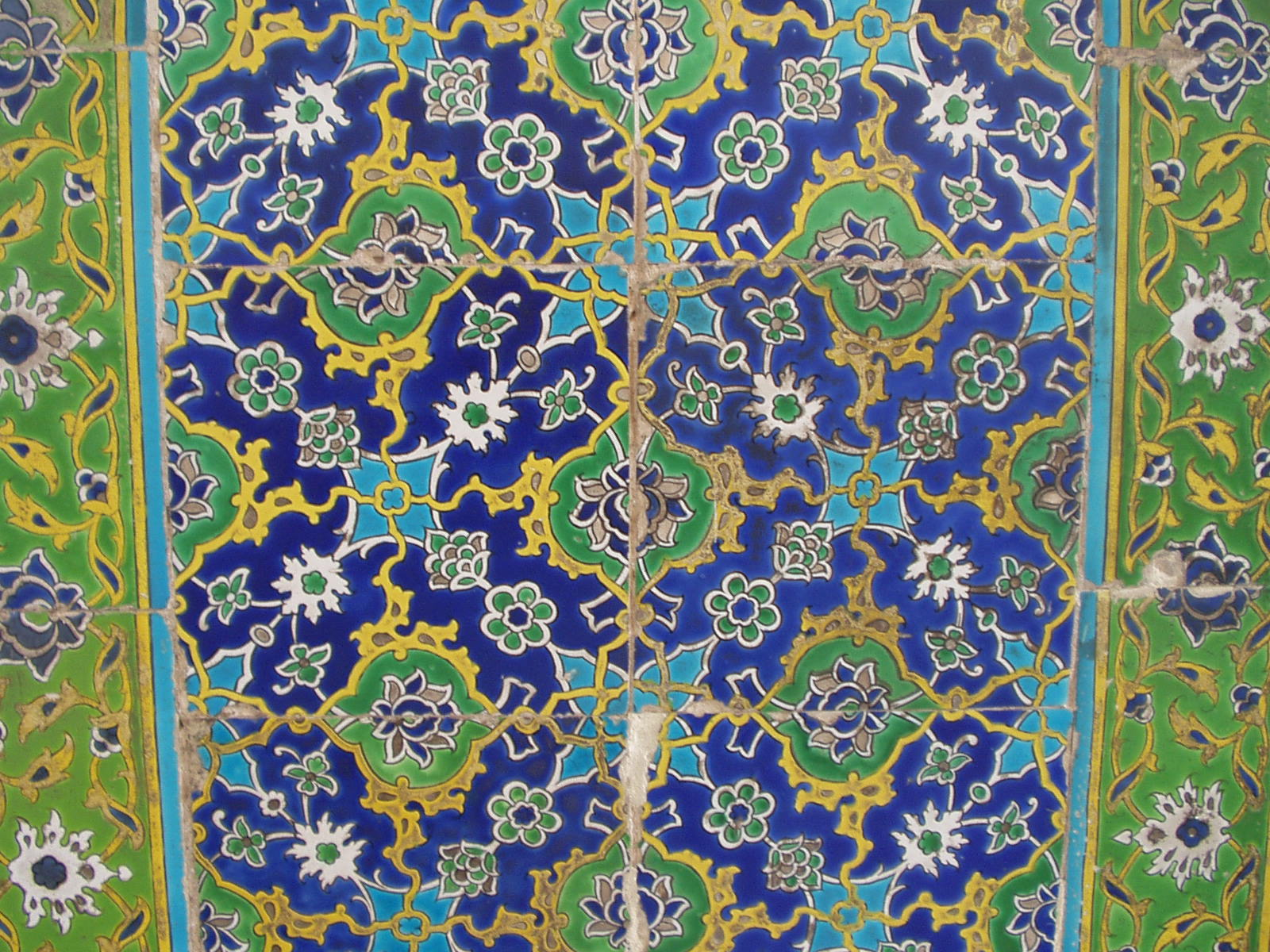 Fileiznik tiles in the topkap palaceg wikimedia commons fileiznik tiles in the topkap palaceg dailygadgetfo Images