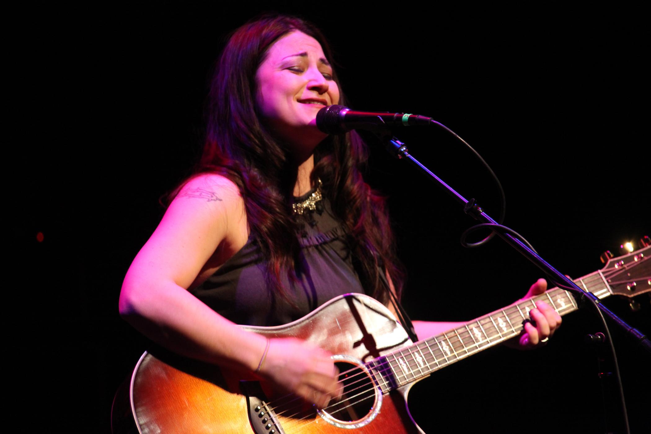 Jennifer Knapp Guitar Chords Guitar Tabs And Lyrics Songs From Chordie