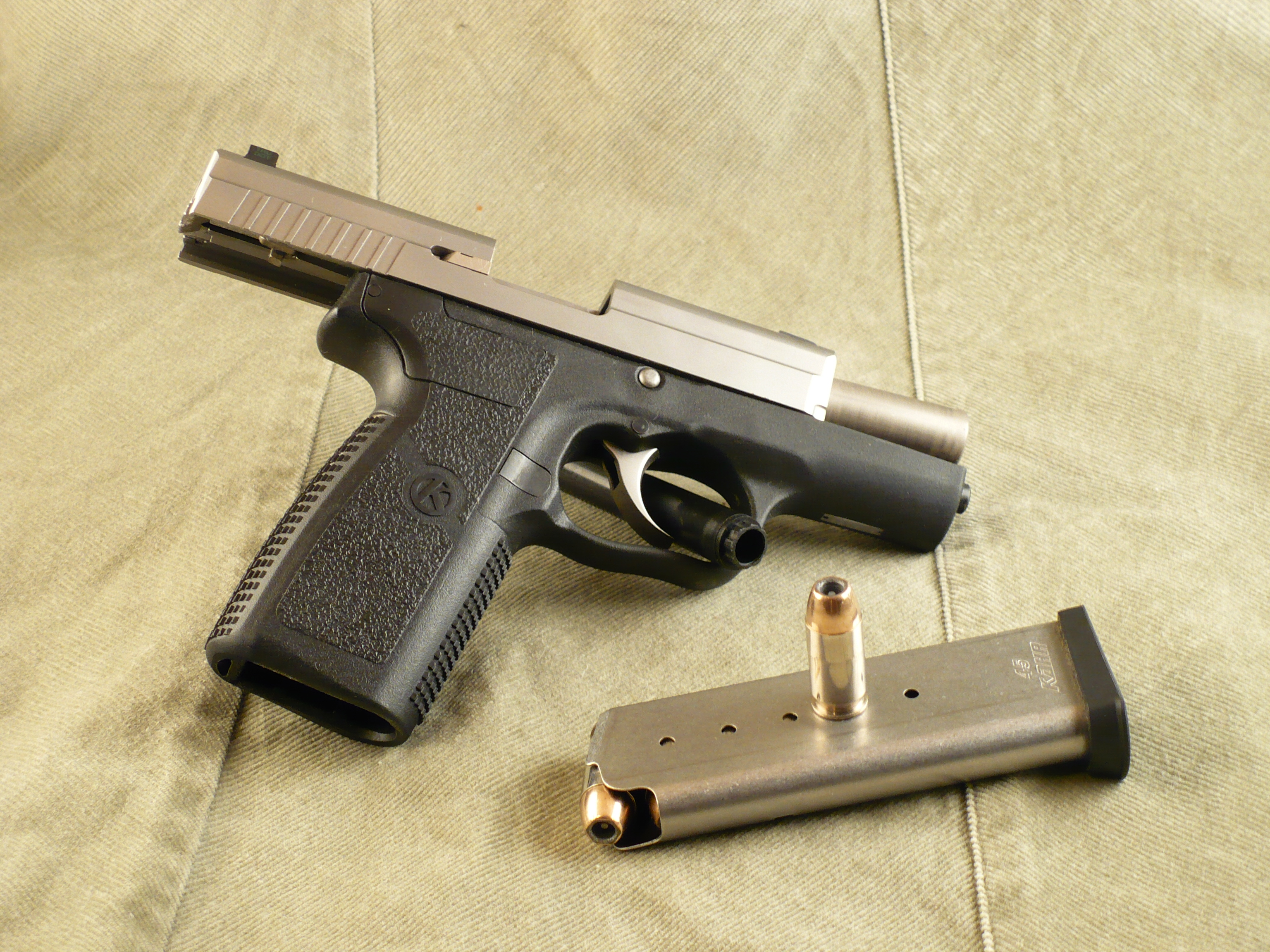 File:Kahr-arms p45 slide mag round-right JPG - Wikimedia Commons