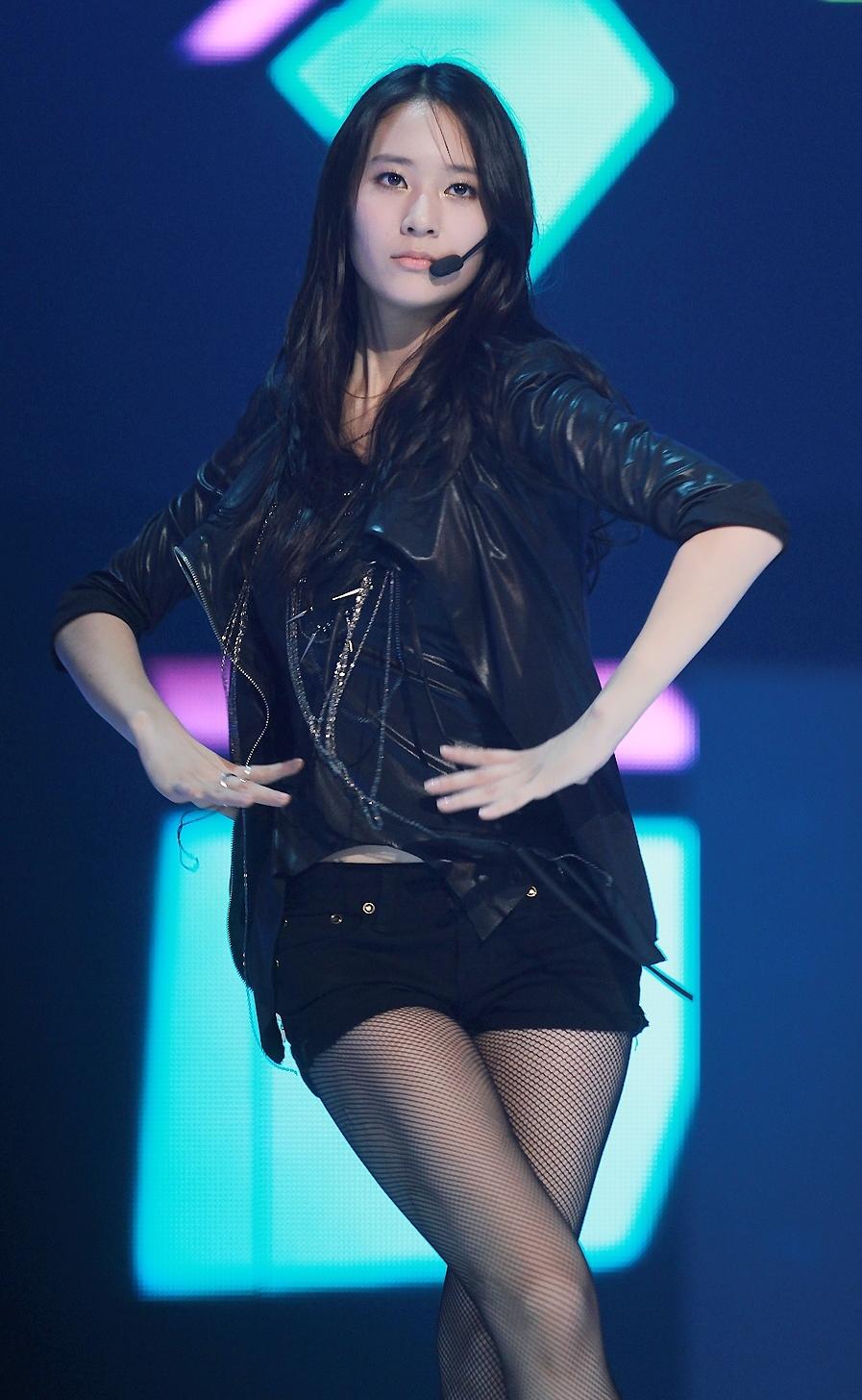 File:Krystal Jung at the 2010 KBS Gayo Daejun (3).jpg ... F(x) Krystal Abs