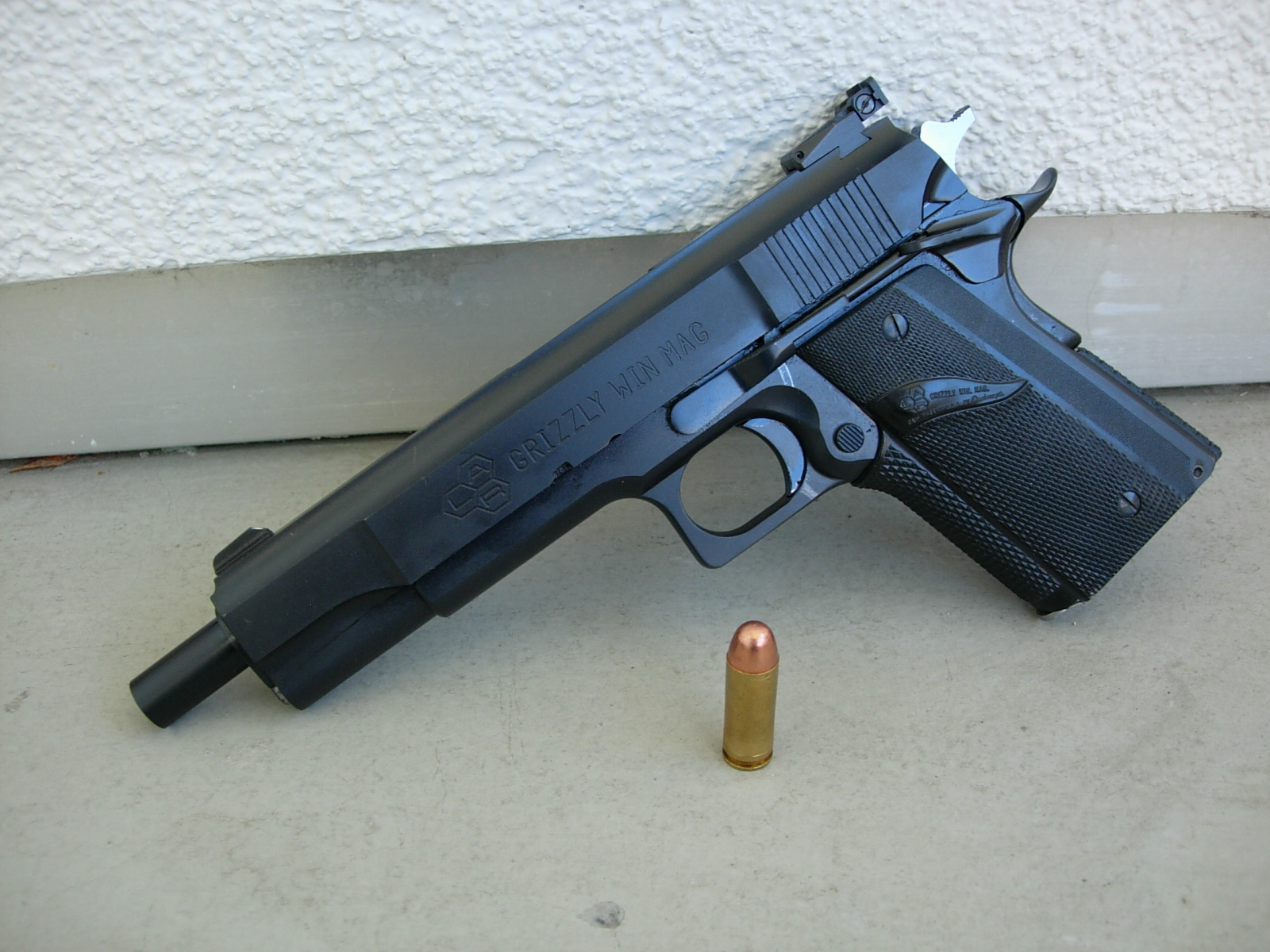 LAR Grizzly Win Mag - Wikipedia