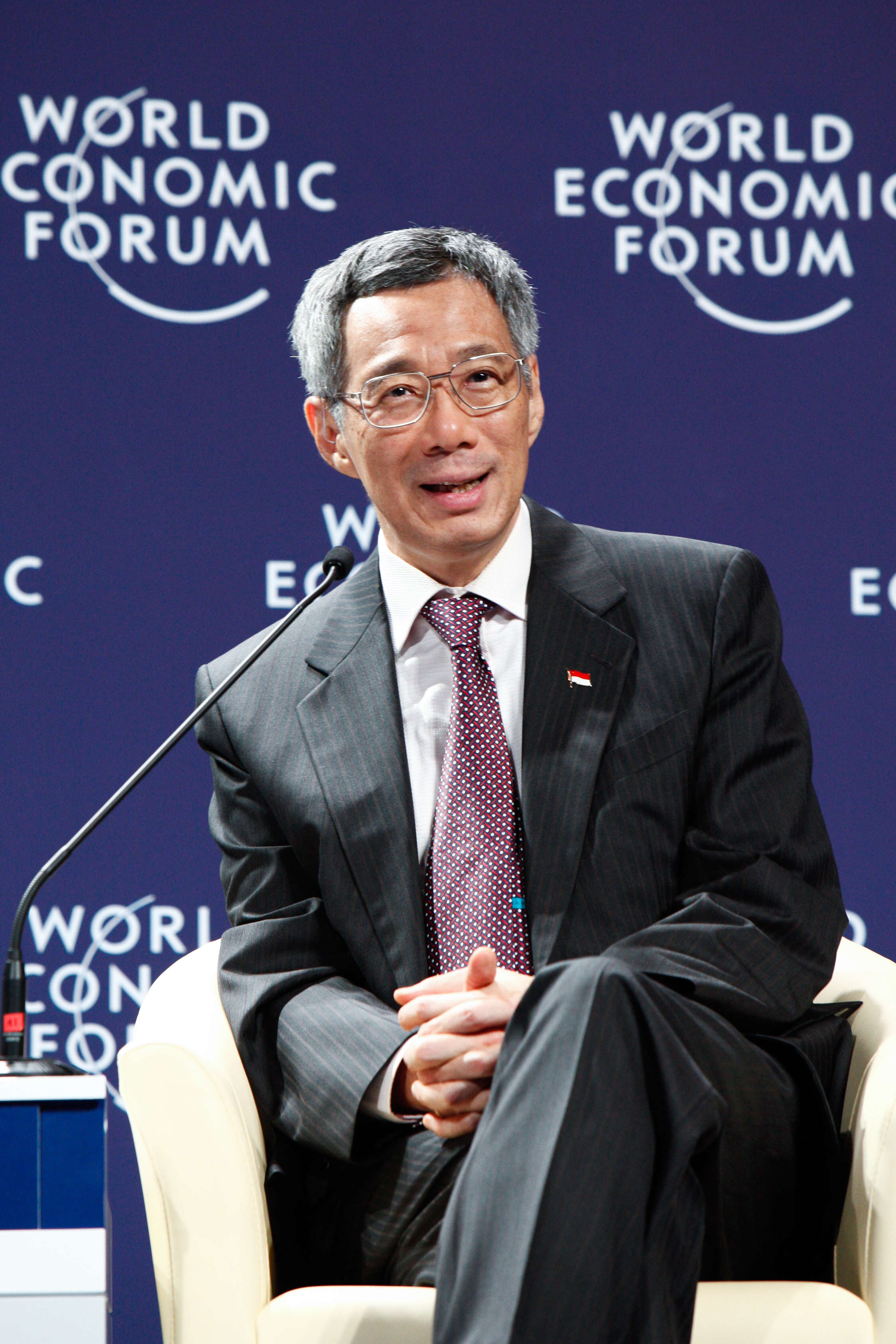 File:LEE HSIEN LOONG at the World Economic Forum on East Asia.