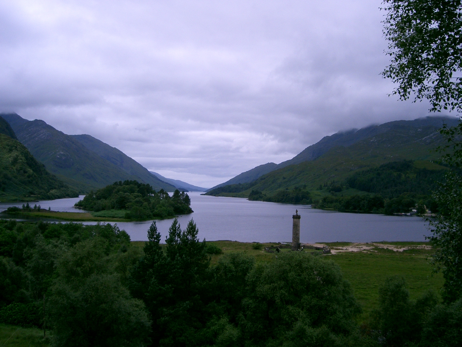 loch-shiel-glenfinnan-bay-scotland-