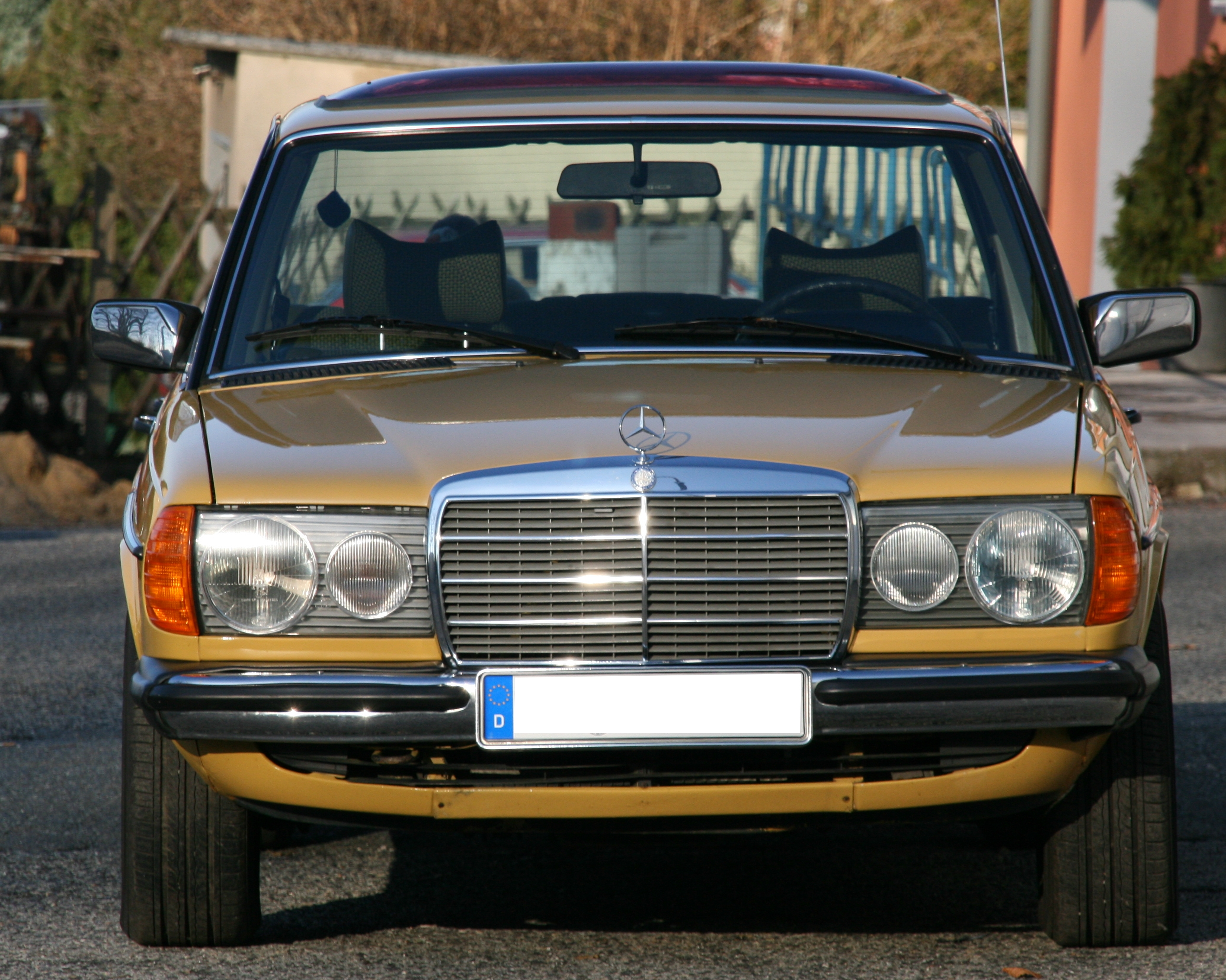 Description mb 230 w123 baujahr 1977 frontal