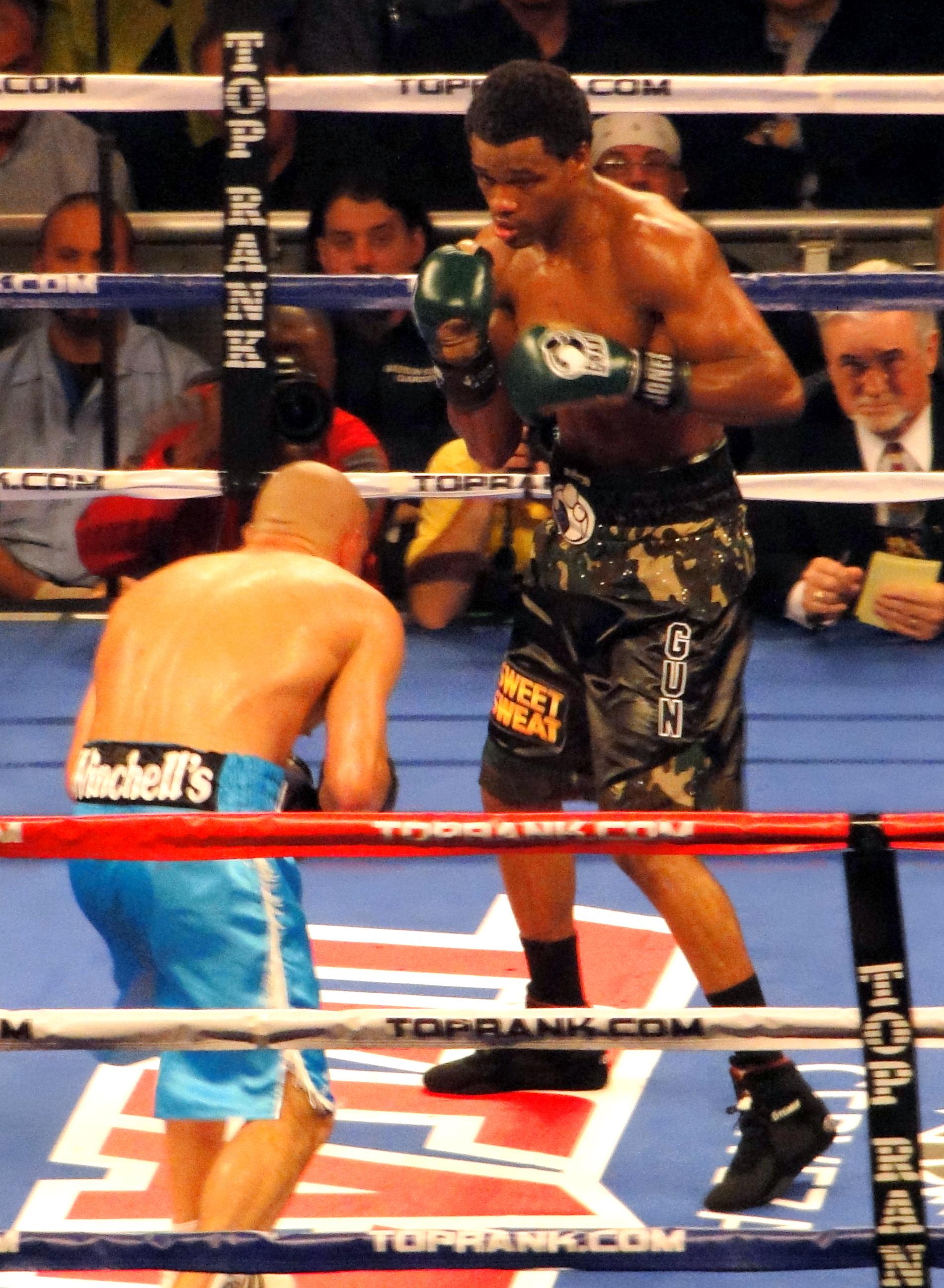 45b324029e8 Mike Jones (boxer) - Wikipedia