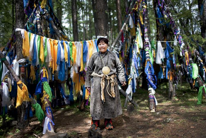 Chaman Tsaatan au nord de la Mongolie