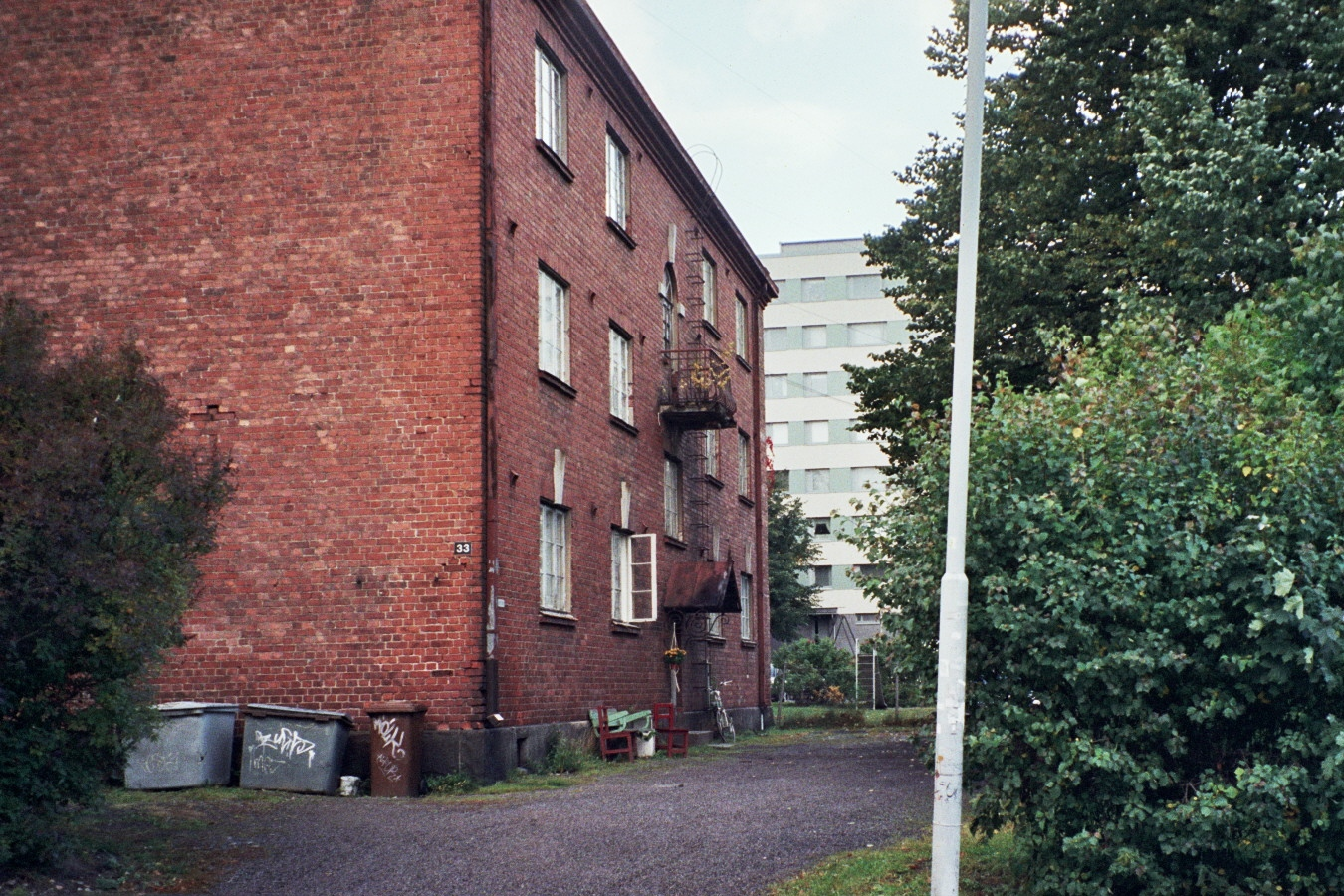 File:Old apartment building in Tammela, Tampere Sep2007.jpg ...