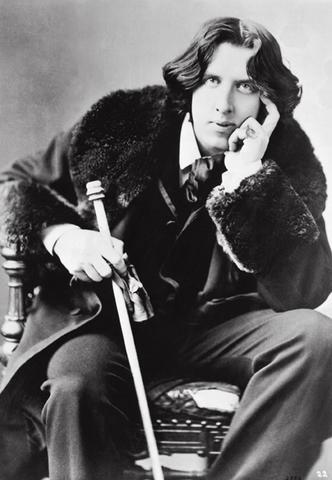ファイル:Oscar Wilde.jpg