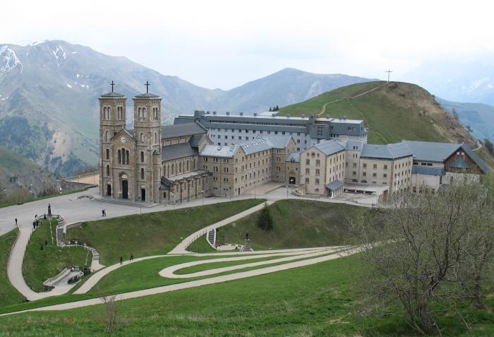 File:Panorama LaSalette.jpg