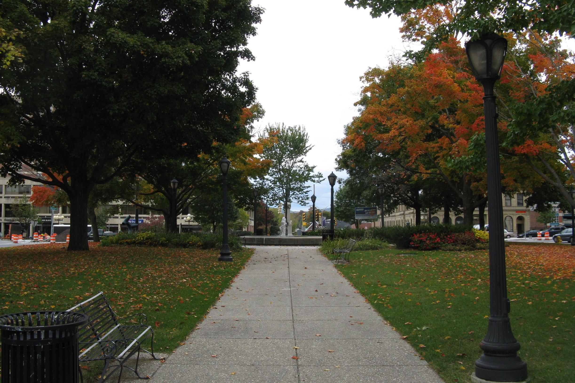 Description Park Squar...