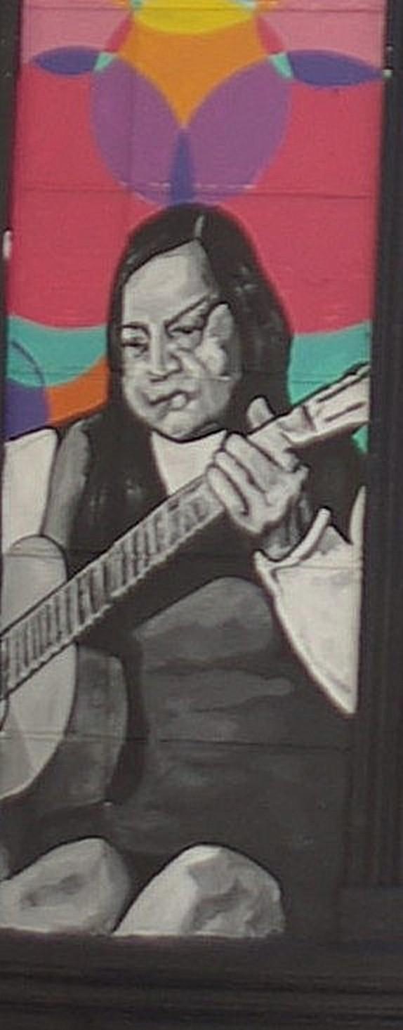 Hilda Parra en un grafiti de la calle Ernesto Pinto Lagarrigue