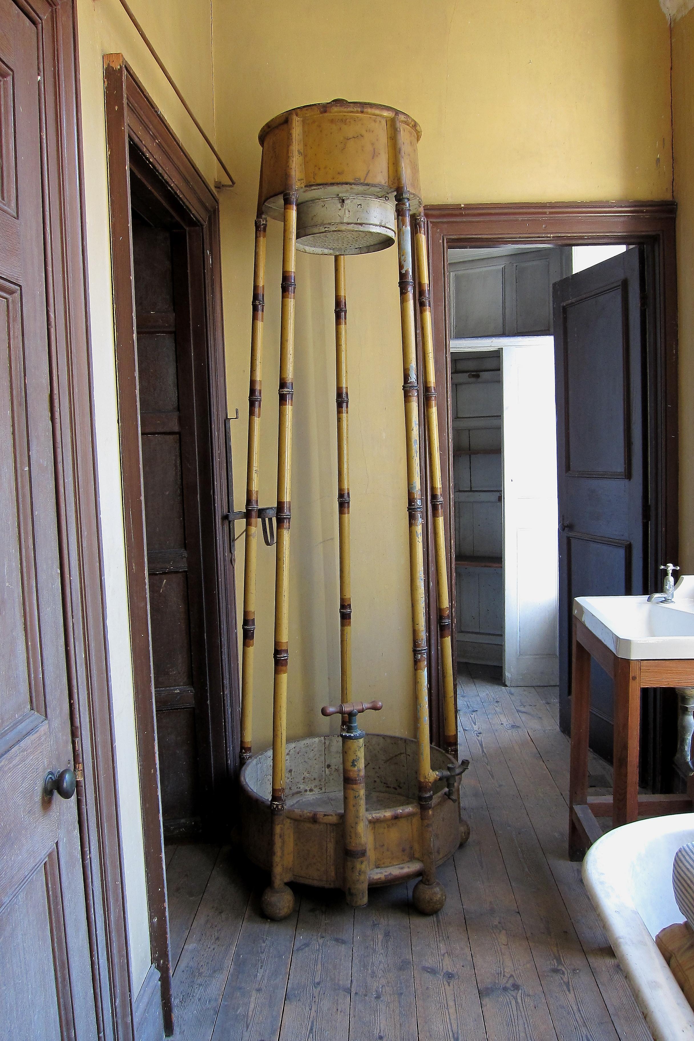 file portable shower calke wikimedia commons