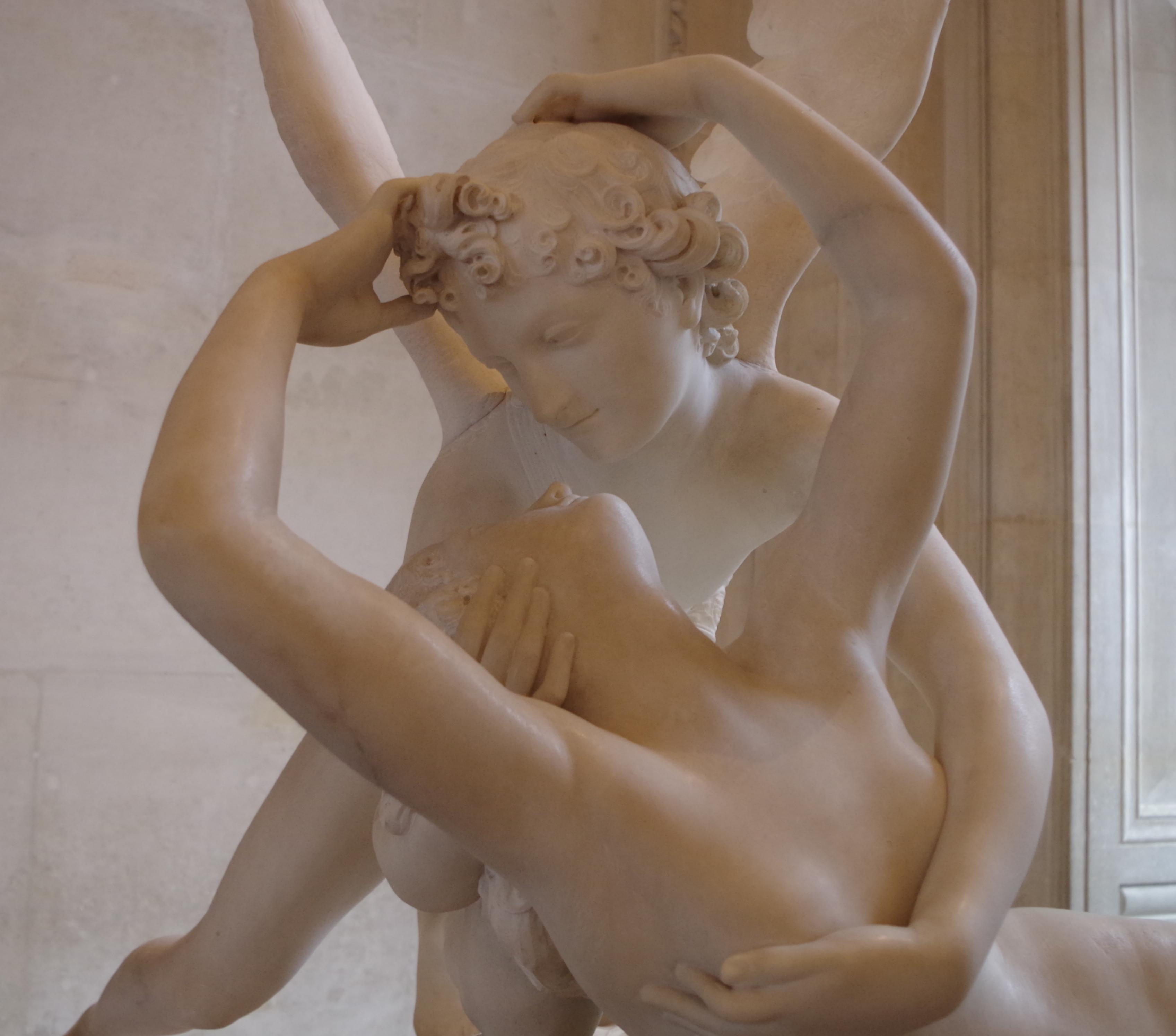 Psyché ranimée par le baiser de l'Amour - close up - Antonio Canova - Louvre, Paris, France